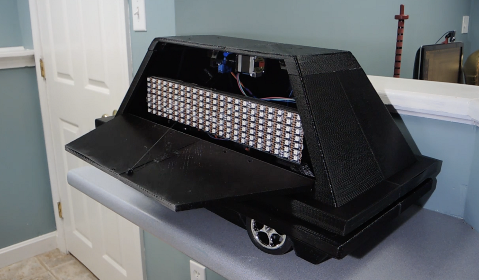 Star Wars Mouse Droid with Hidden LED Marquee