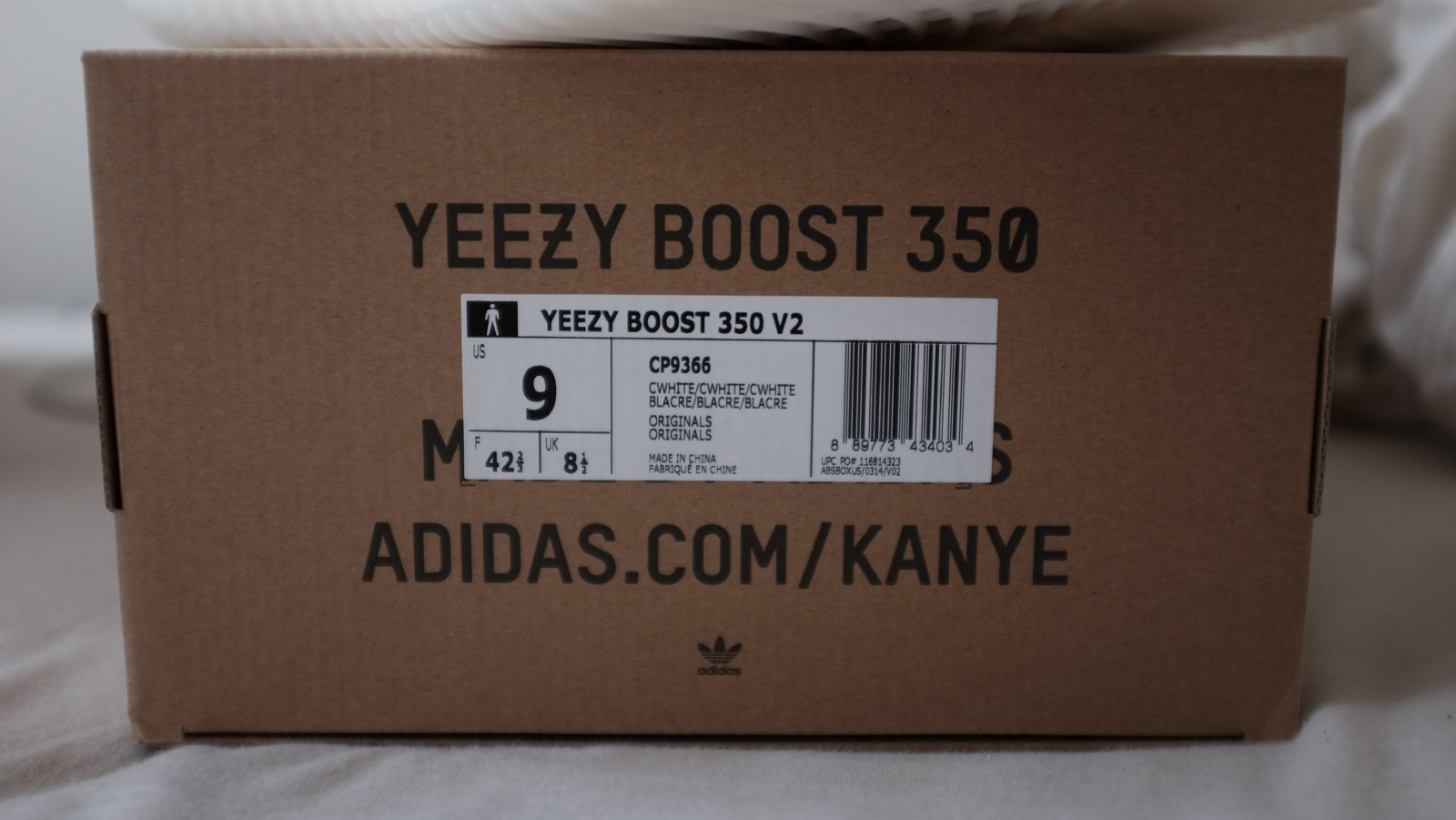 "5954f2642a9c5 Cream V2 sz 9 (Note Cream Box Label- ""YEEZY BOOST 350 V2"" Lettering ends  before the barcode"