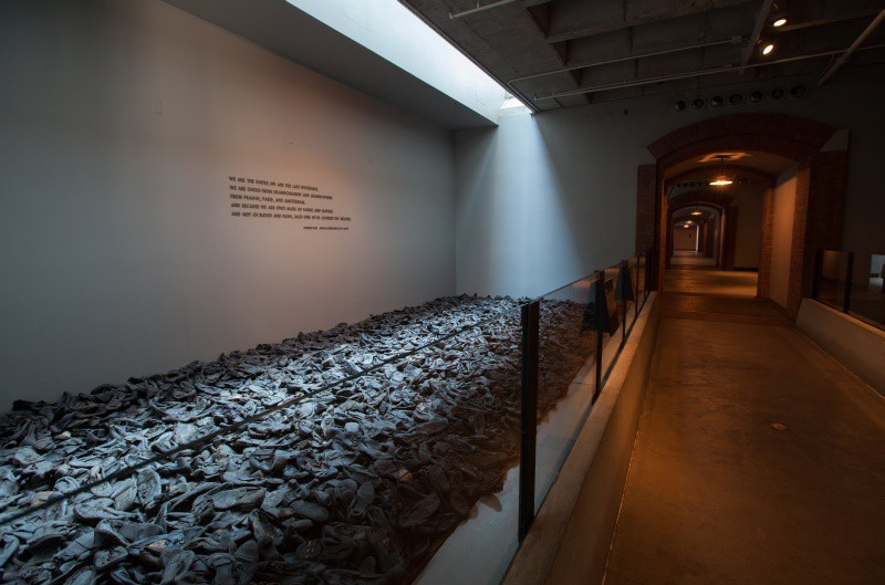 essays holocaust museum In this paper, the experience of visiting the holocaust museum in washington is described the writer concludes that skin tone, religion, beliefs, and.