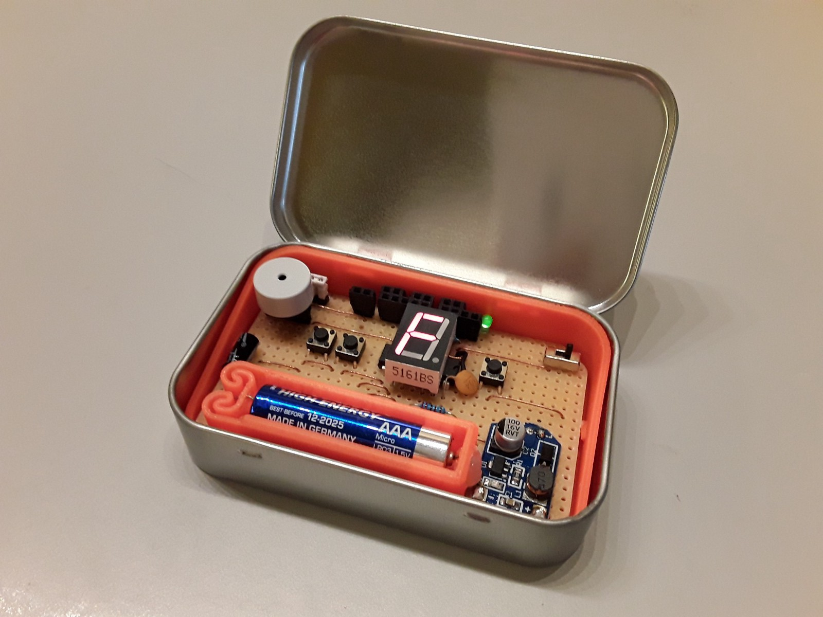 FATCAT Is a Drum Machine, Synth, and Arpeggiator Stuffed into an Altoids Tin
