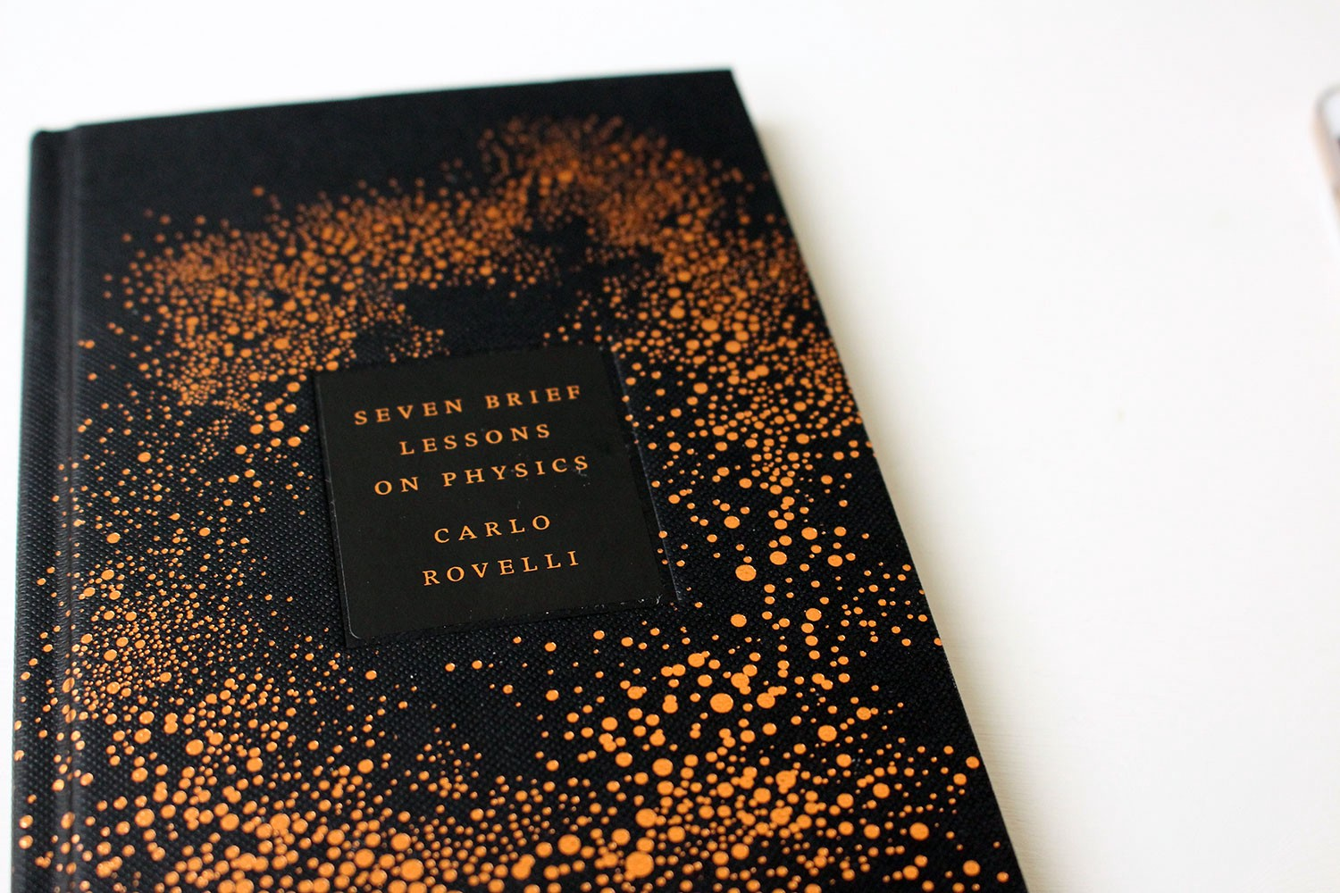 If you want to discover the basics on physics, this is the book for you!  Italian physicist Carlo Rovelli describes in seven brief and very easy  lessons the ...