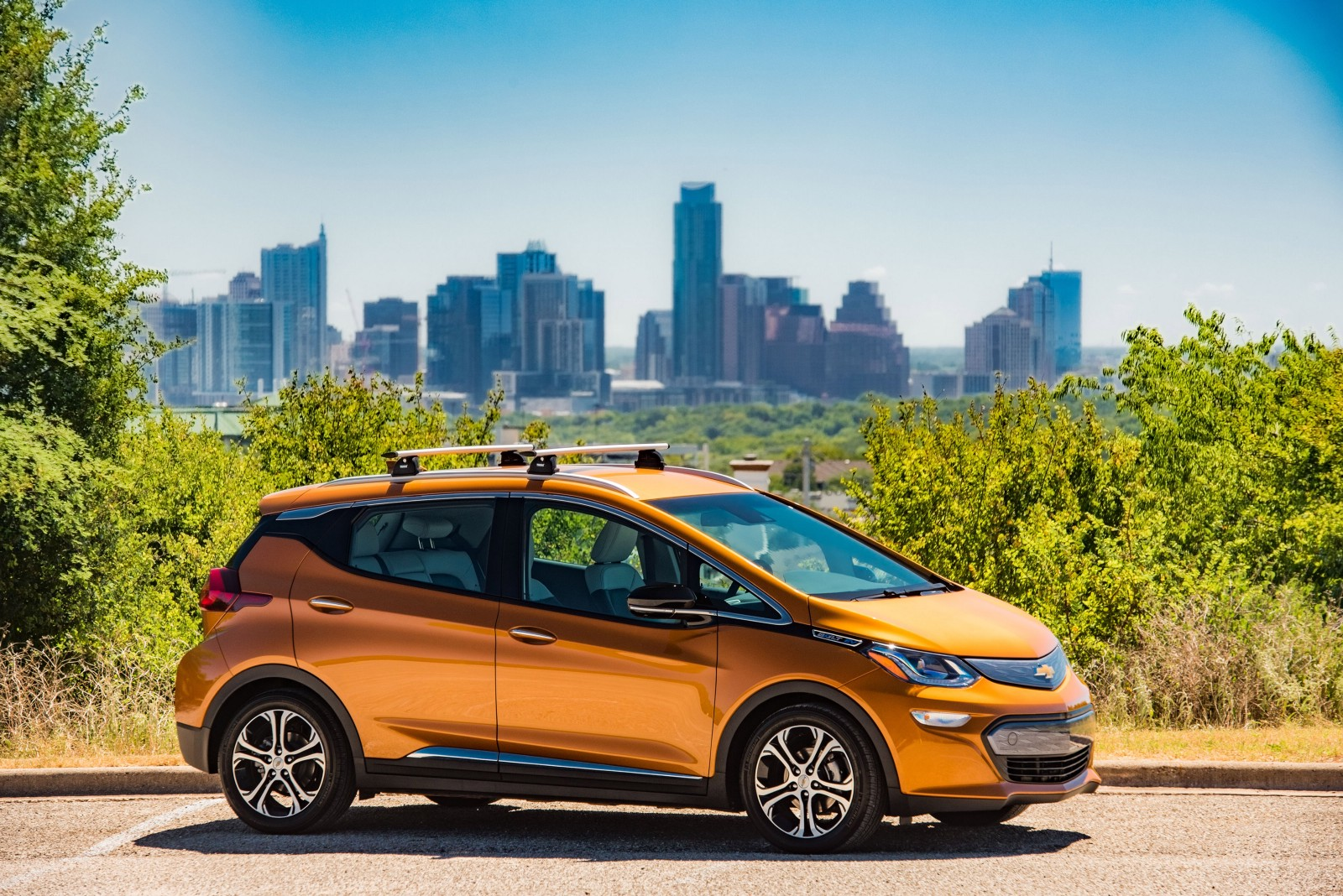 The Chevy Bolt With An Impressive 238 Mile Driving Range Is First M Market All Electric Vehicle
