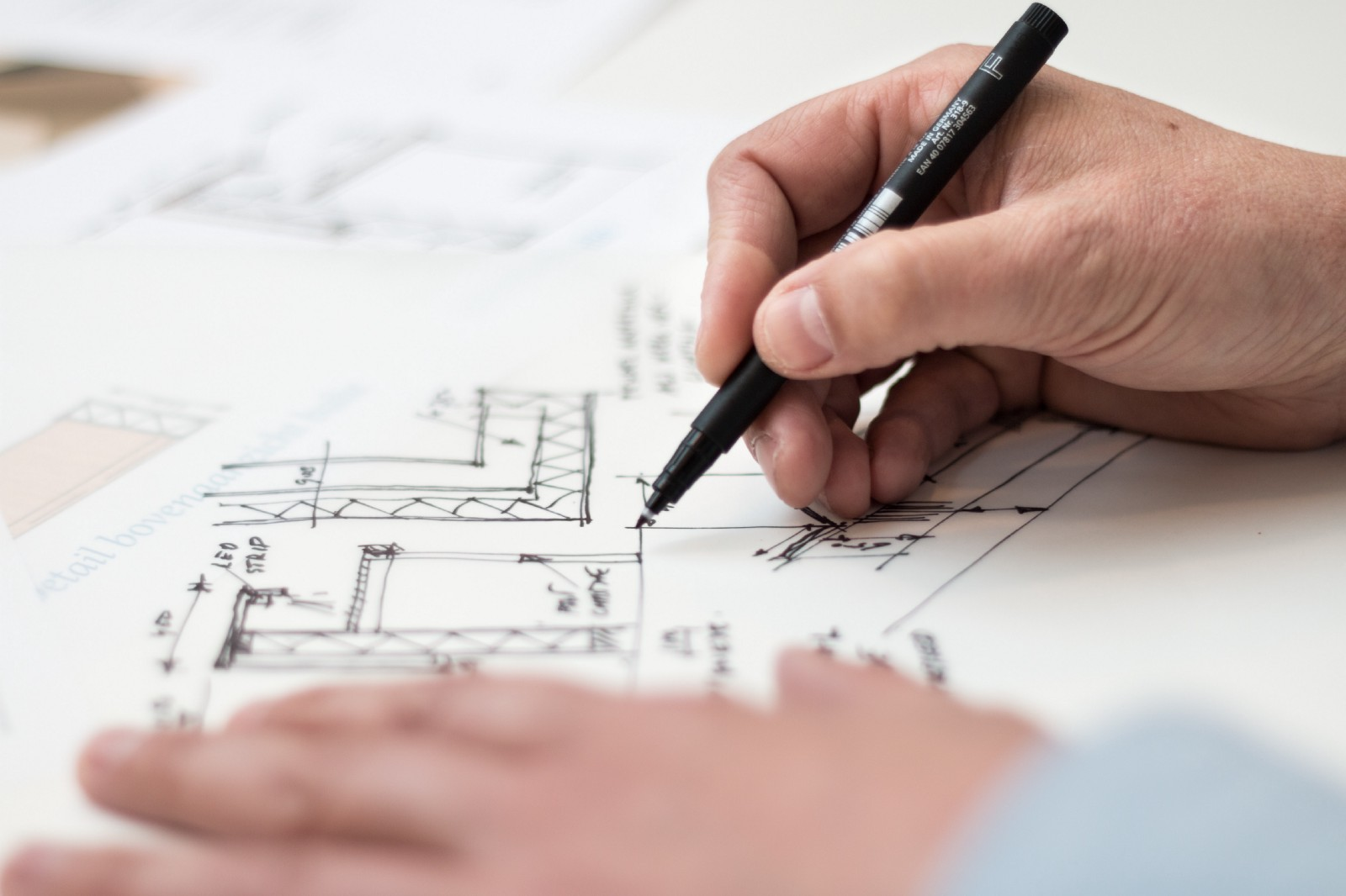 what makes a technical architect