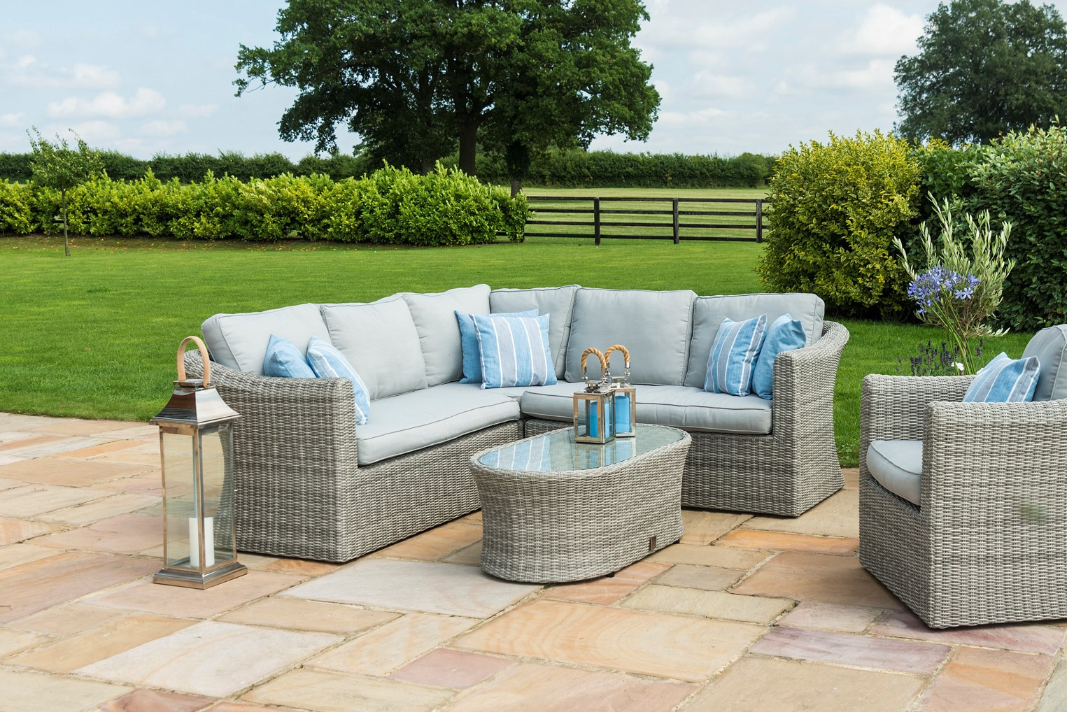 An Amazing Indian Summer In The Maze Rattan Oxford Small Corner Sofa
