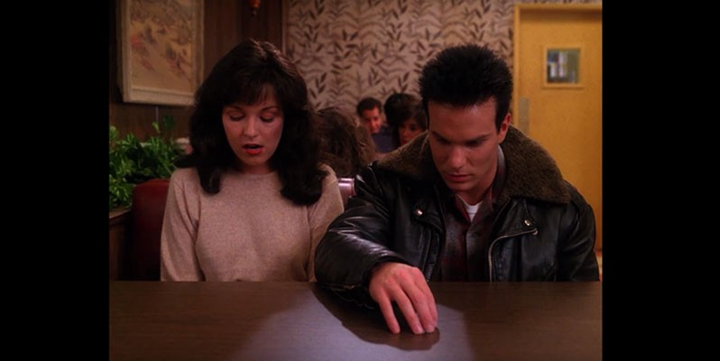 "Twin Peaks Decaps — Episode 2.03 — ""The Man Behind Glass"""