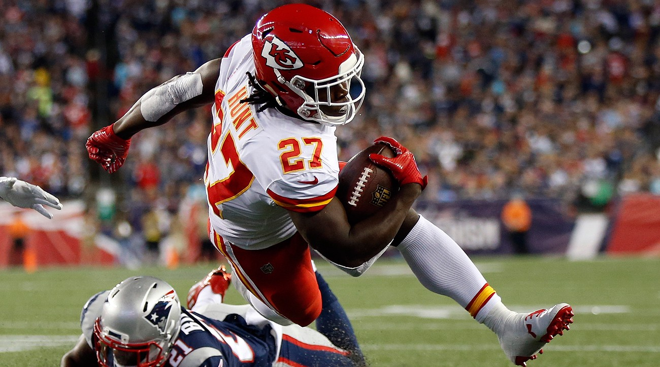 Chiefs running back Kareem Hunt who led the NFL in rushing was selected as the 2017 NFL Rookie of the Year by the Pro Football Writers of American in