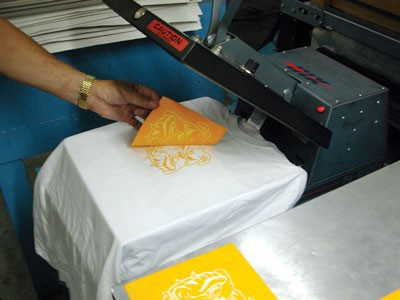 7be5cf5f In this method, an inkjet printer is used to print a sheet of transfer  paper. The paper is then laid on the tee and a heat press is applied for  few seconds.