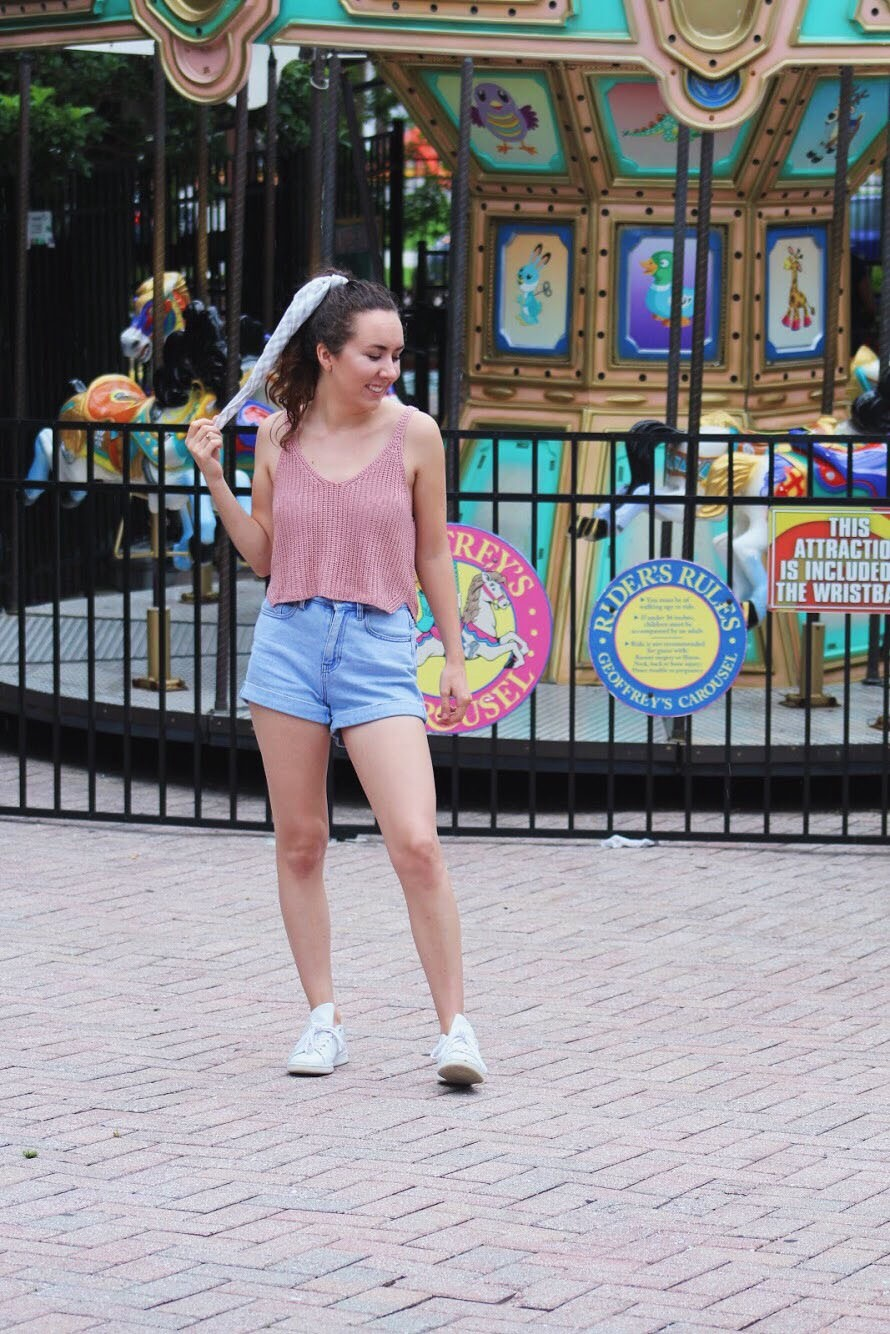 7aca6b01991 What to Wear to a Theme Park – STYLE SQUAD – Medium