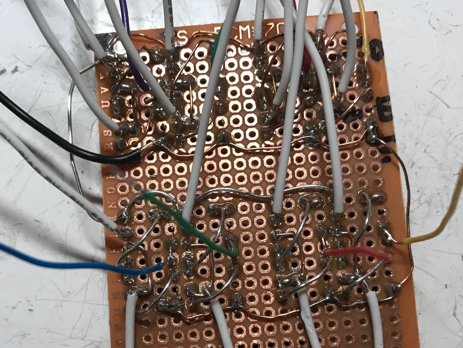 Building A 4 Bit Shift Register From 7400 Nand Gates For Gpio Output Alternate Flip Flop Circuits D Using Nor Latches This Is Good Start But By Themselves Are Insufficient To Build Clocking Needed