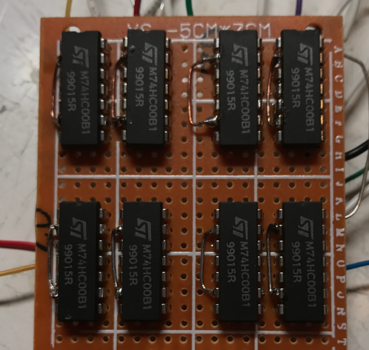 Building A 4 Bit Shift Register From 7400 Nand Gates For Gpio Output Logic Diagram Of Universal This Is Good Start But Latches By Themselves Are Insufficient To Build Clocking Needed