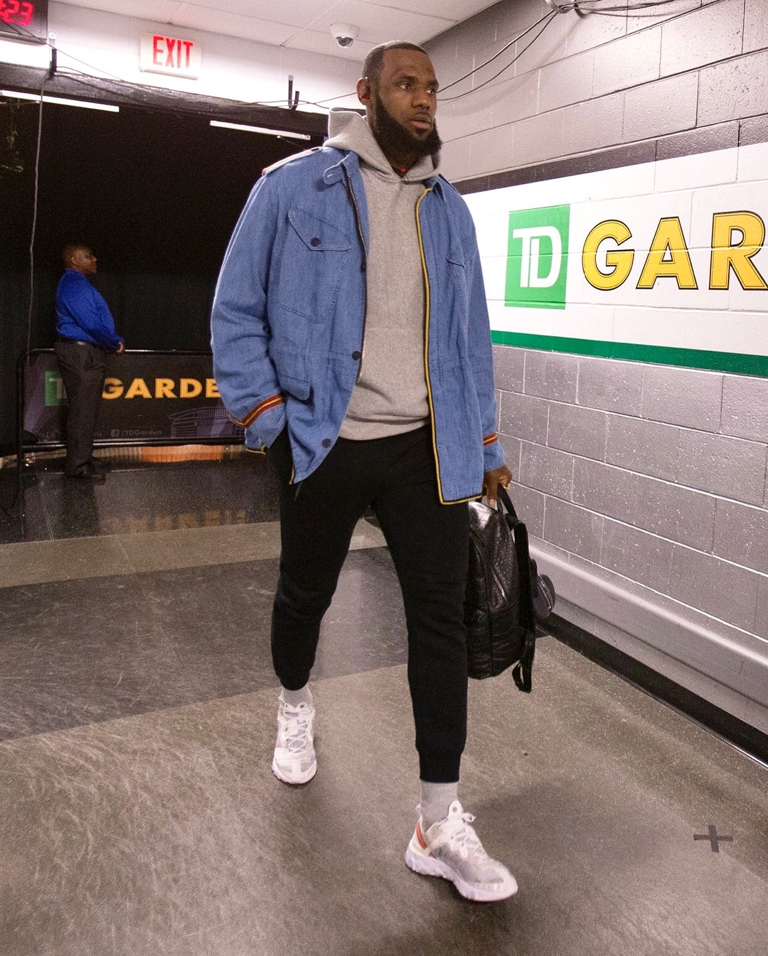 7bab864a037b04 12 Of LeBron s Best Outfits This Season – looklive.com
