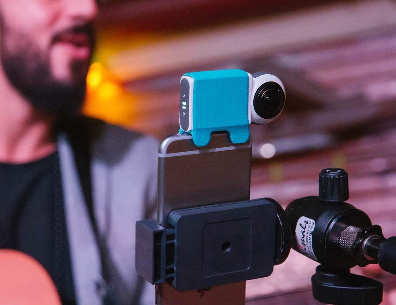 10 Iphone Accessories You Must Get This New Year Gadget Flow Medium Rode Videomic Me Compact Ios Shotgun Microphone