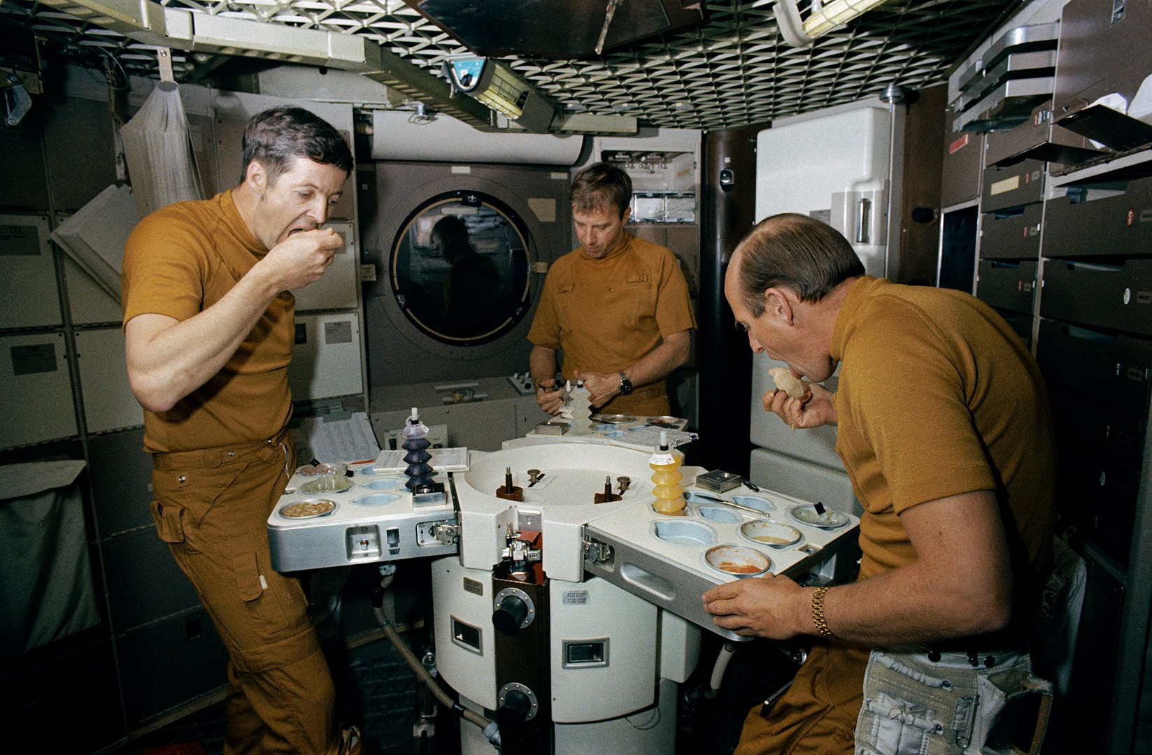 What Do Astronauts Have for Lunch-