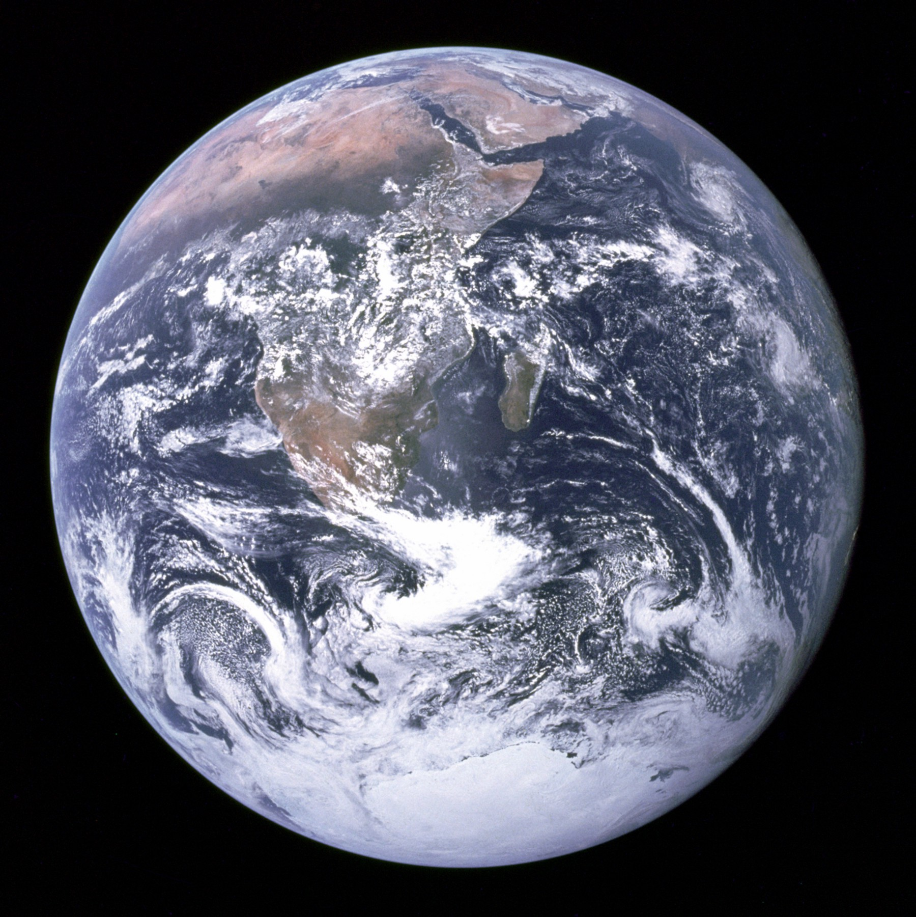 Overview: Earth and Civilization in Macroscope
