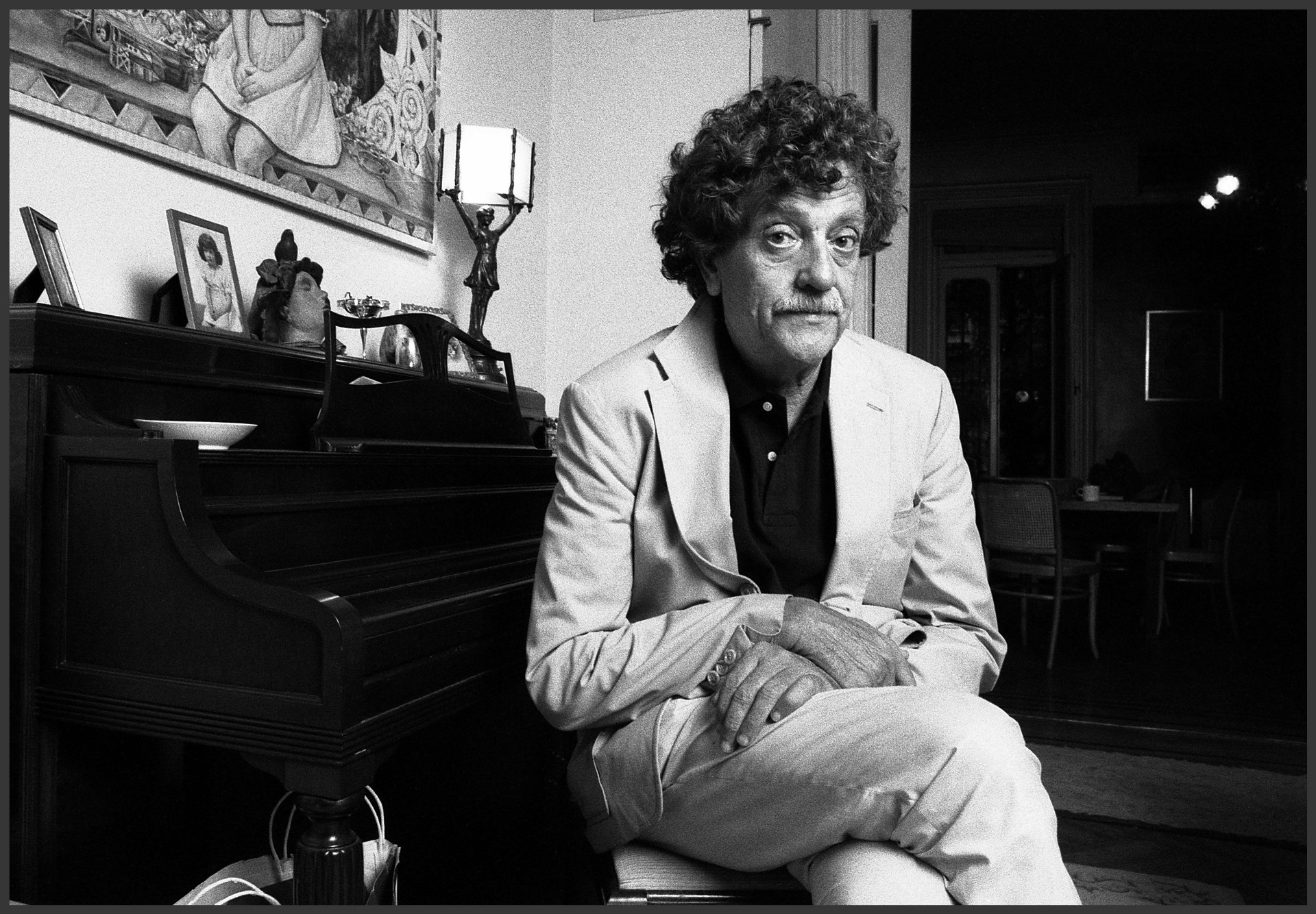 player piano by kurt vonnegut essays The daily vonnegut welcomes essays about the life and work of kurt vonnegut and reflections on the personal and public influence of vonnegut's work.