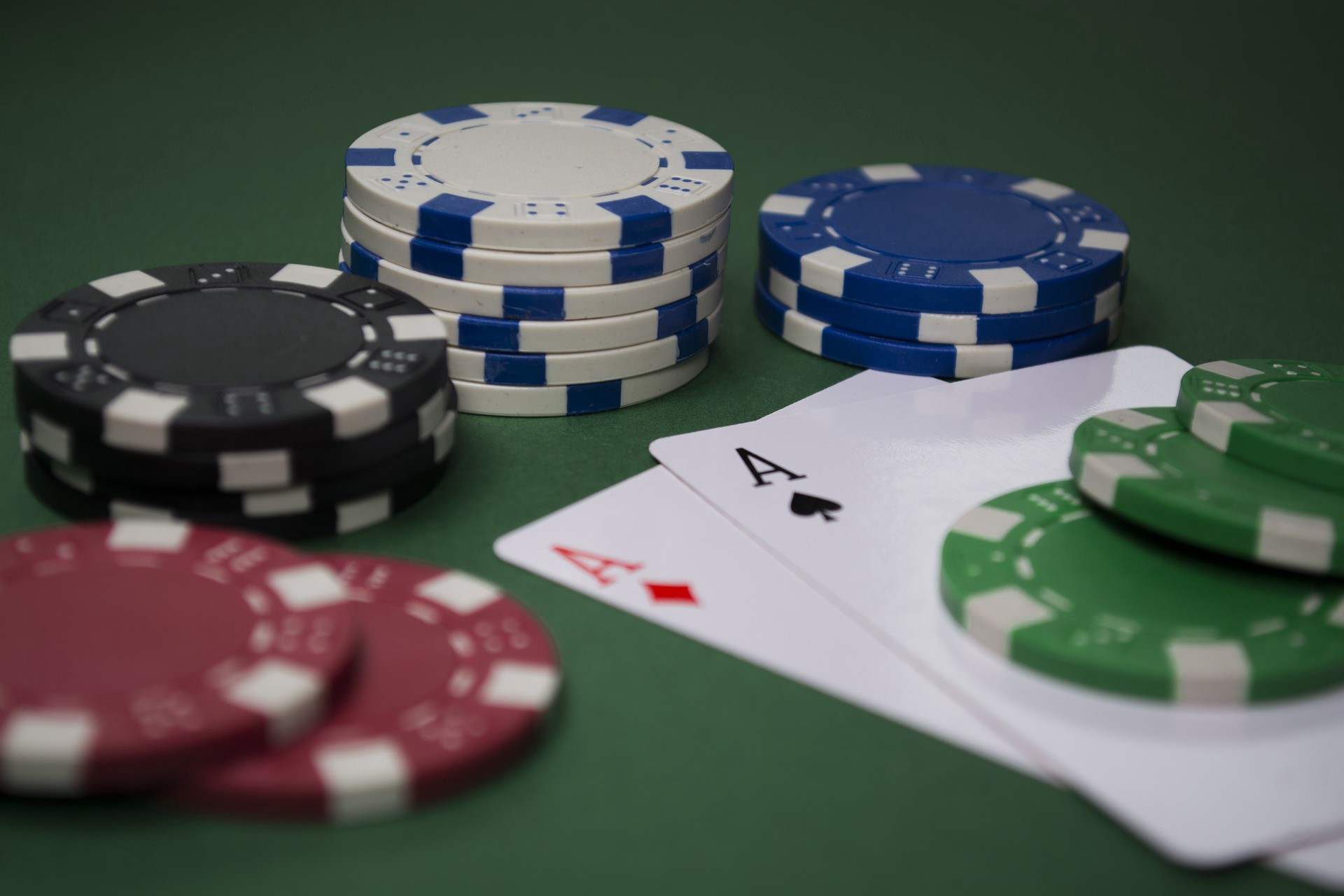 How to win in poker