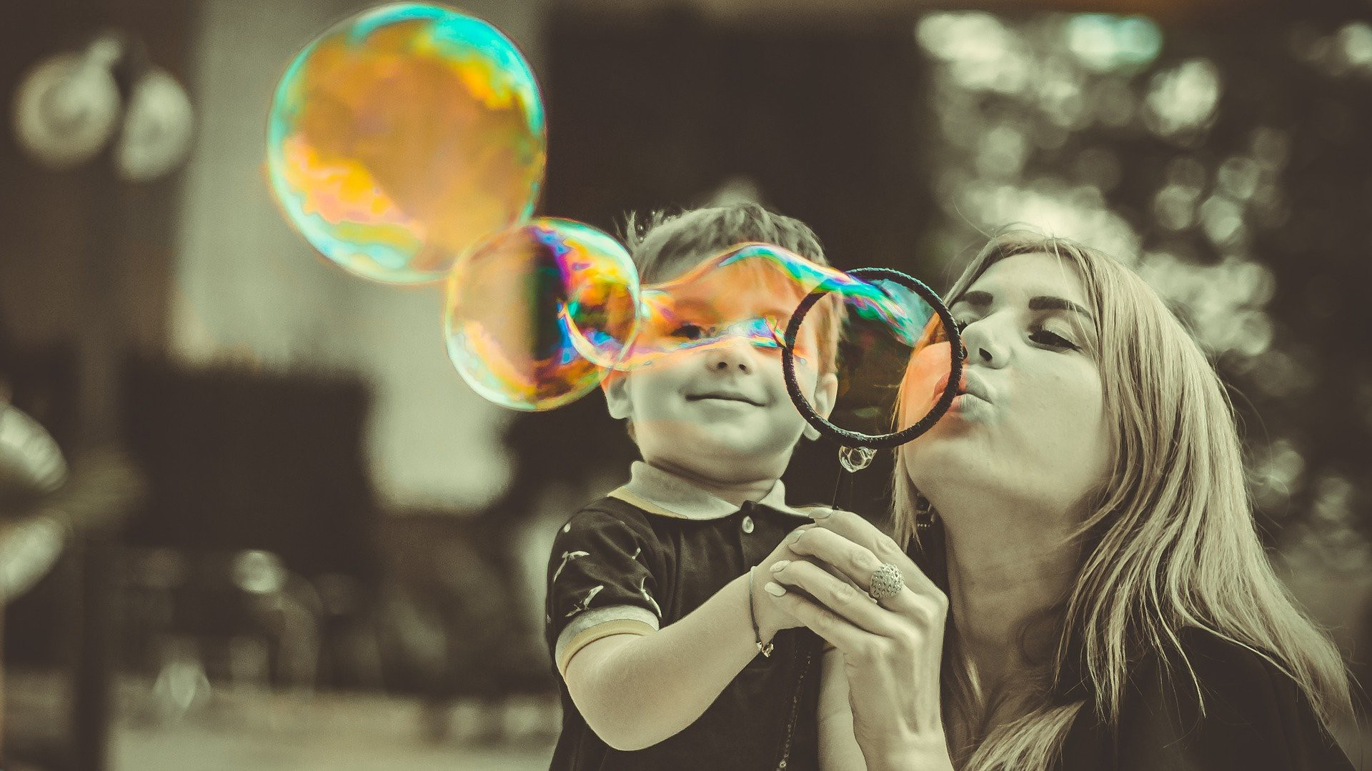 Motherhood Micro-Influencers You Need to Follow in 2021