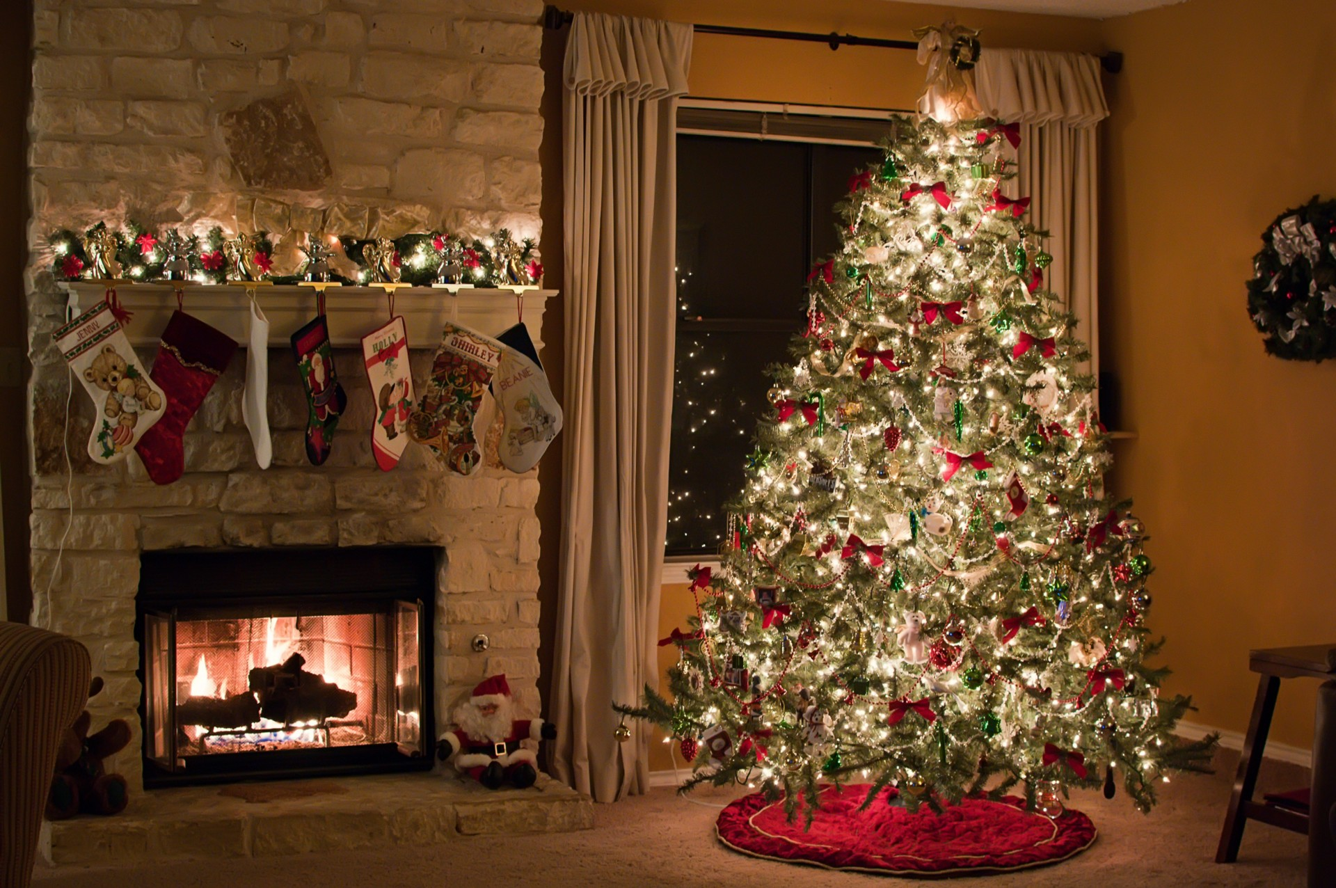 What I Learned From Watching 33 Hallmark Christmas Movies