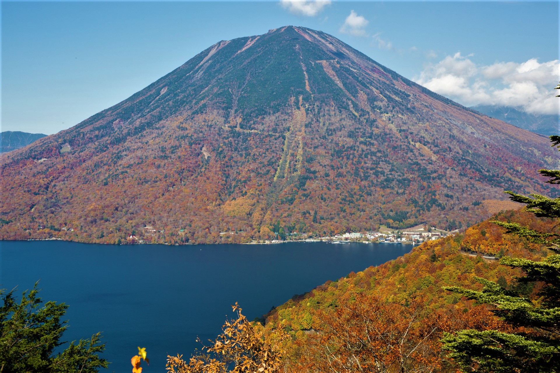 October Is The Great Month To Celebrate Coming Of Autumn In Japan There Are Amazing Spots Enjoy Beautiful Nature Such As Hiking And