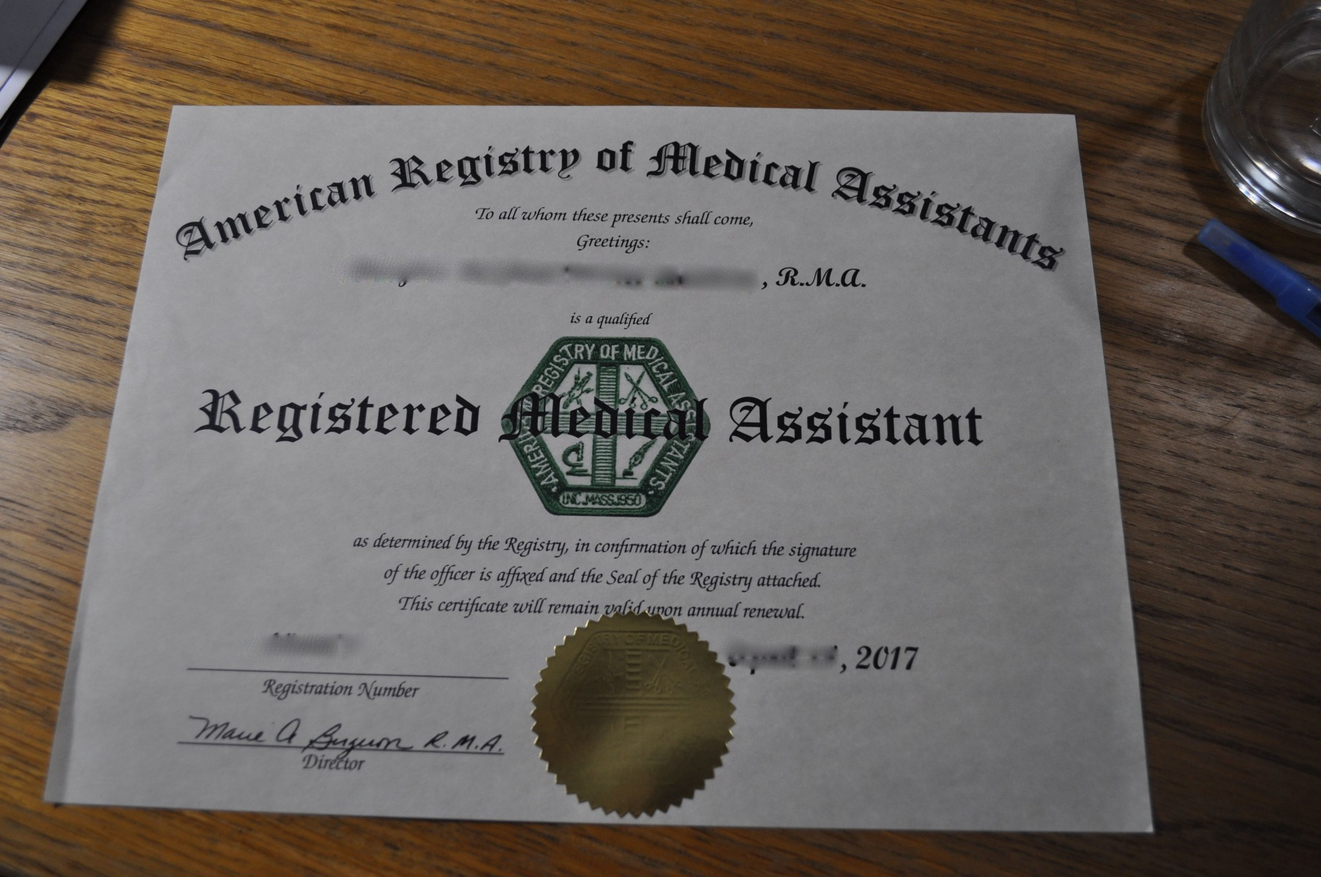 Cómo obtener el certificado de Registered Medical Assistant a través ...