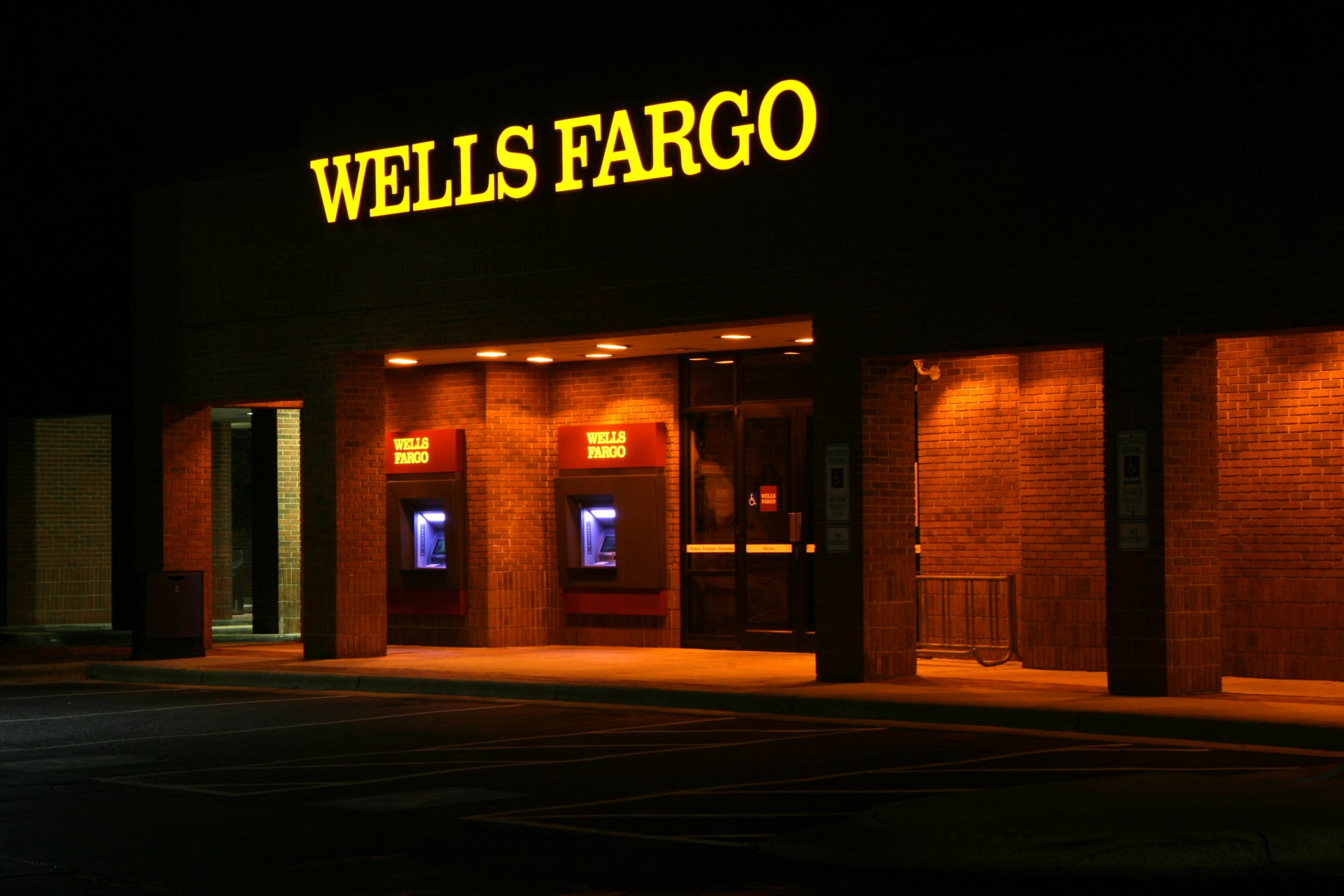 wells fargo the five reasons i hate my bank enough to write about it