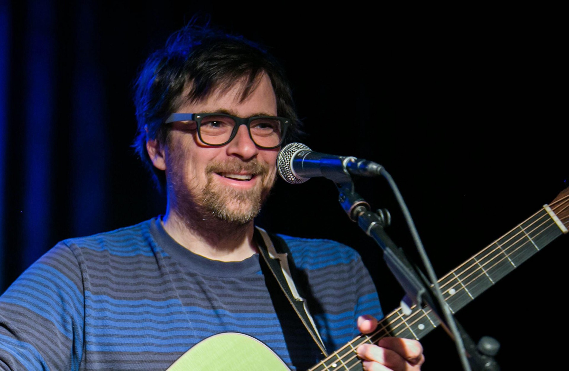 Rivers Cuomo Plays A Dream Like Set At The Beat Kitchen In Chicago