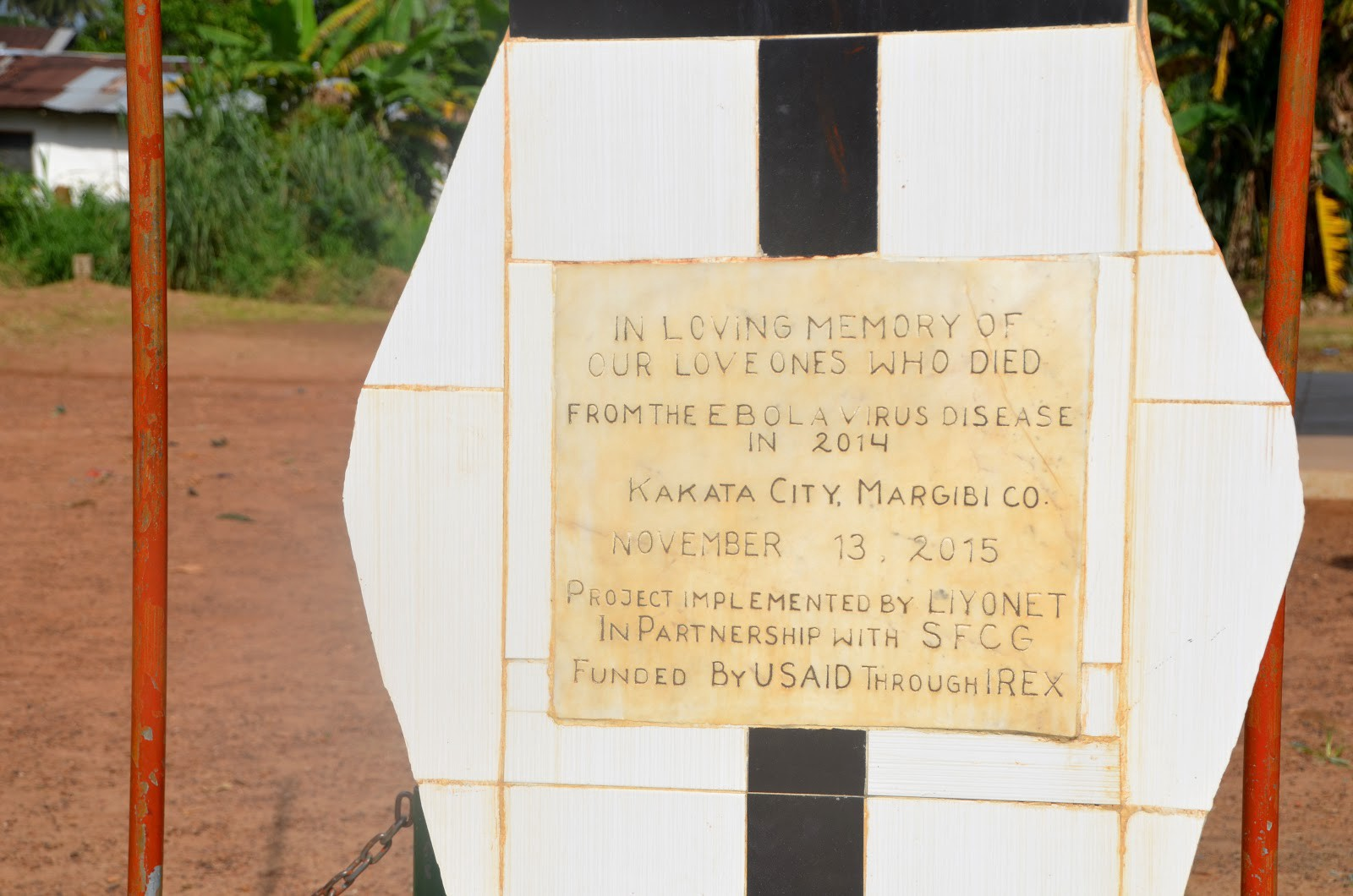 A memorial plaque honoring those who died from Ebola in 2014 in Kakata City, Margibi County, Liberia. / Jessica Benton Cooney, USAID