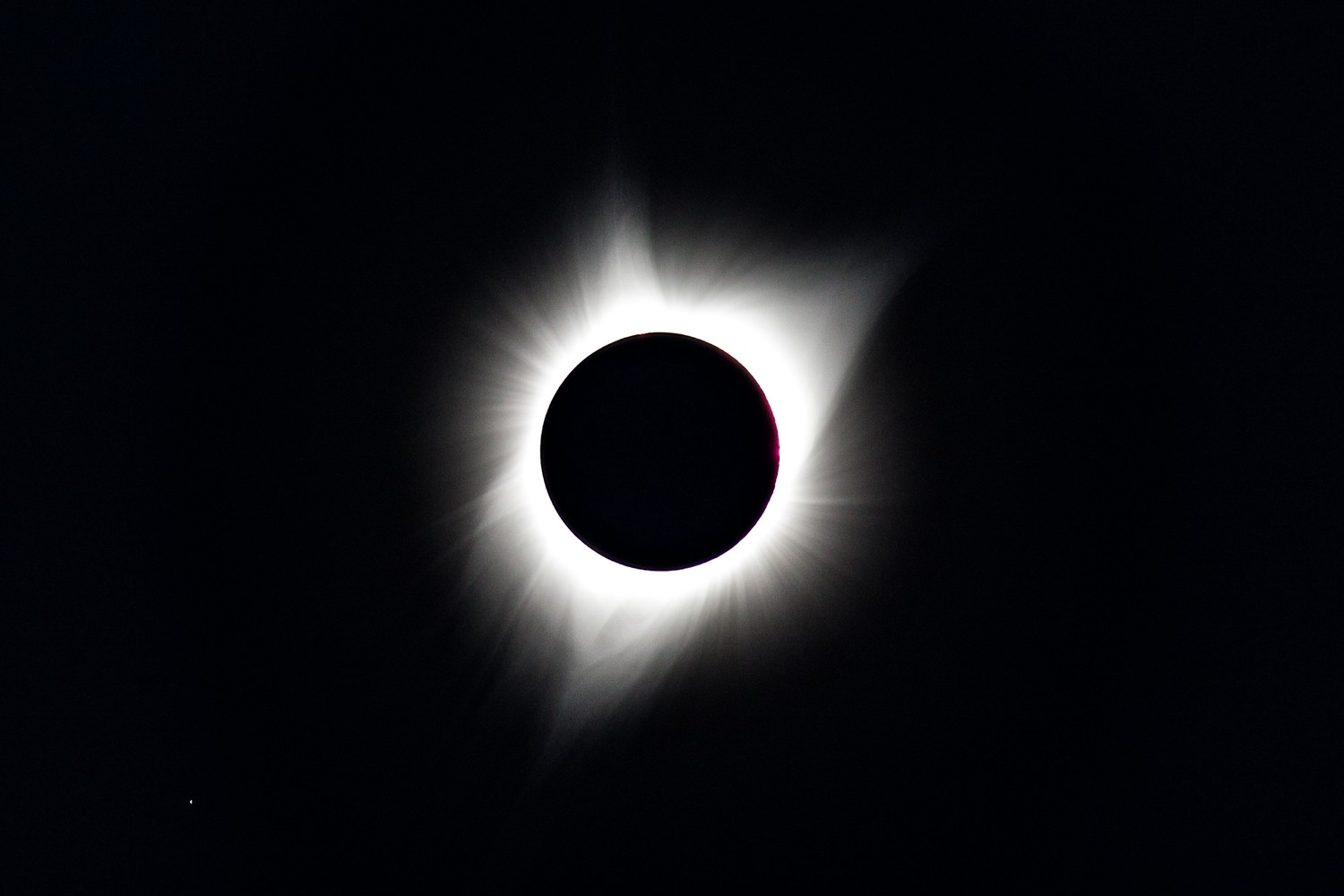 Solar Corona and a three-pronged magnetic field visible during Totality