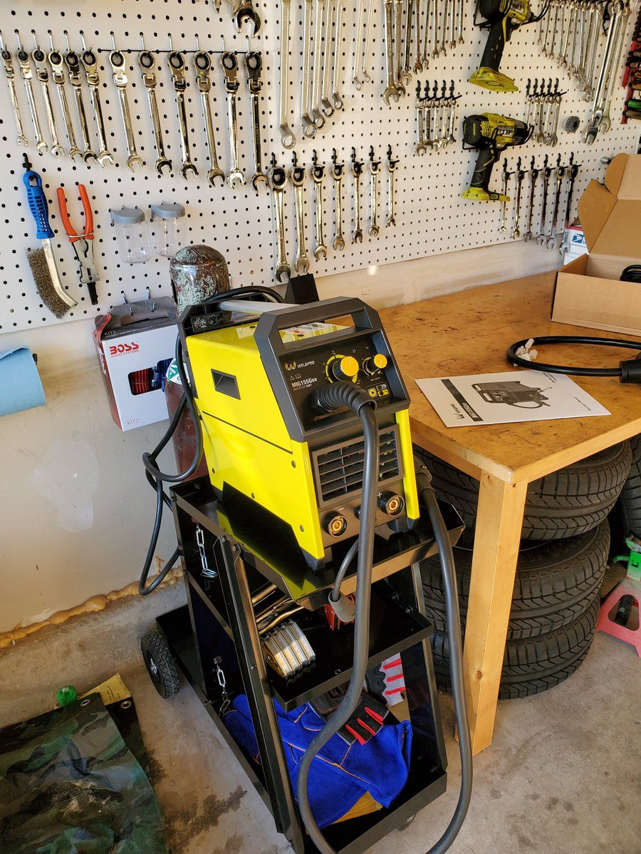 image from Unboxing and Setting Up a MIG Welder