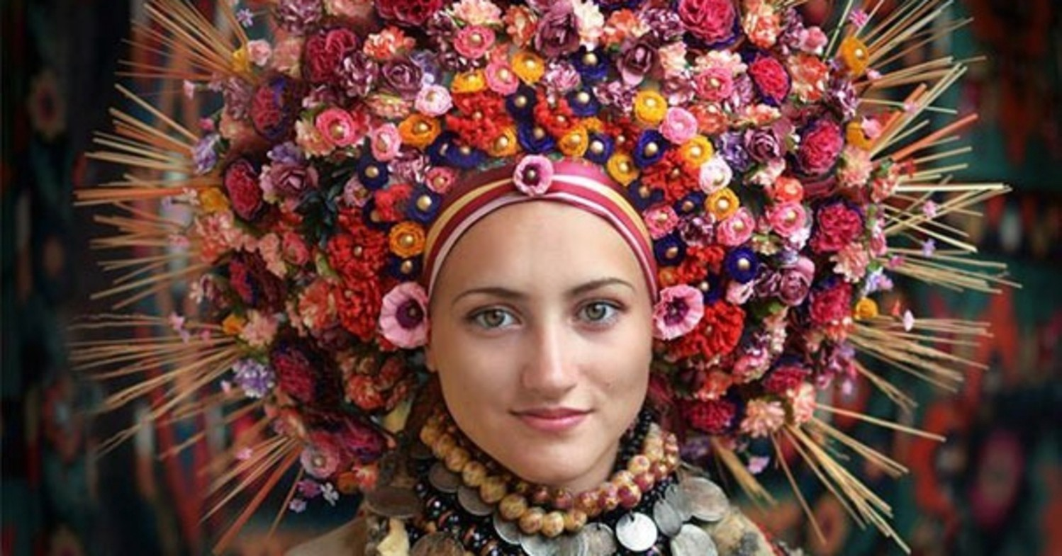 Ukrainian Women Wore Amazing Flower Crowns Way Before It Was Cool