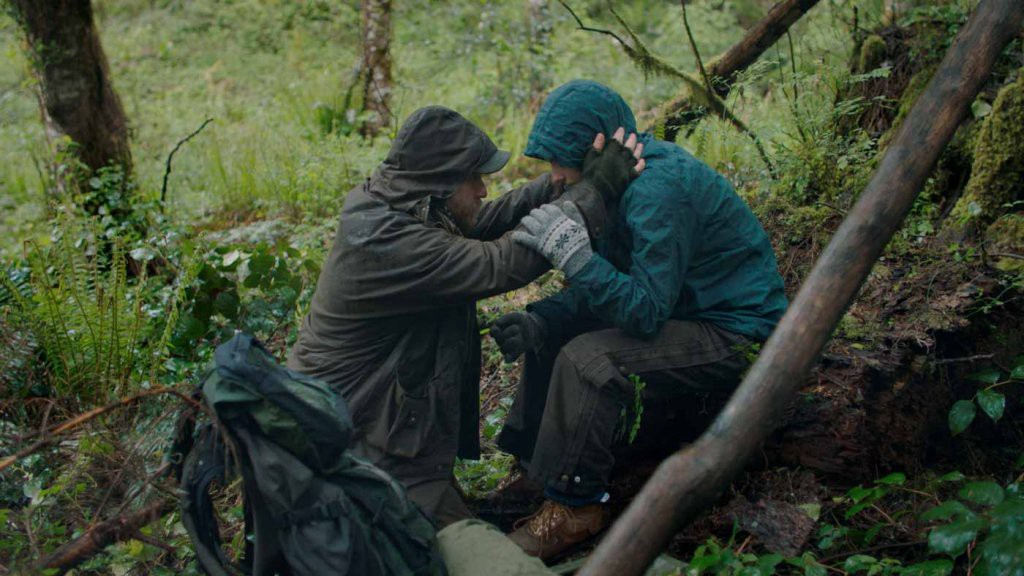 Thomasin Harcourt McKenzie and Ben Foster in Leave No Trace