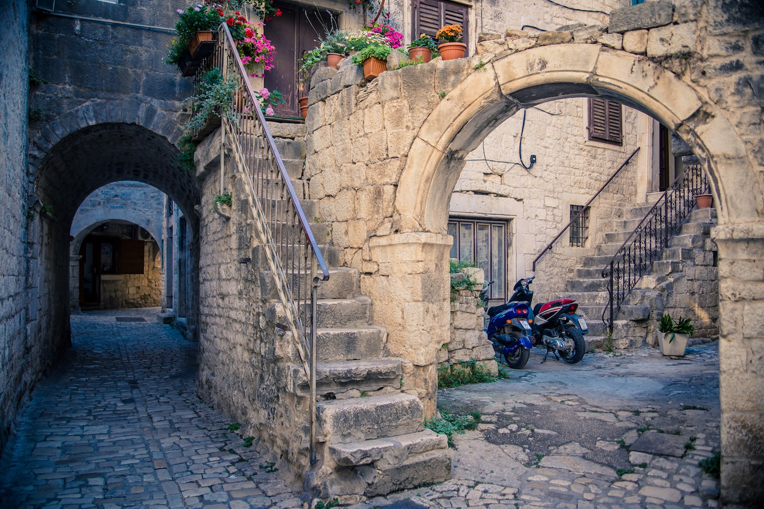 A double arch in the medieval city of Trogir, Croatia
