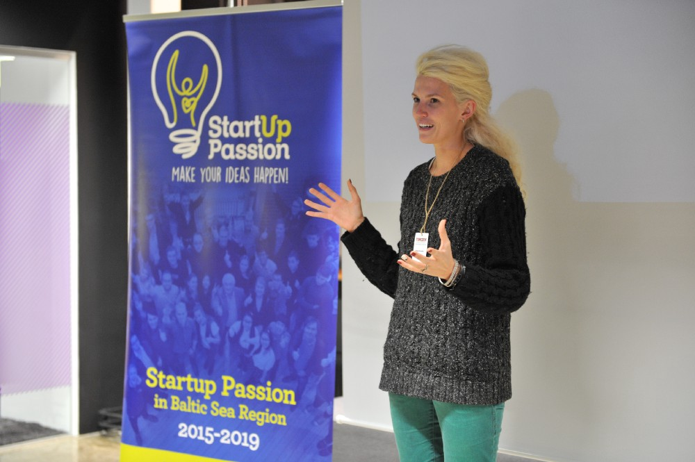Presenting at Startup Passion event, January 2017.