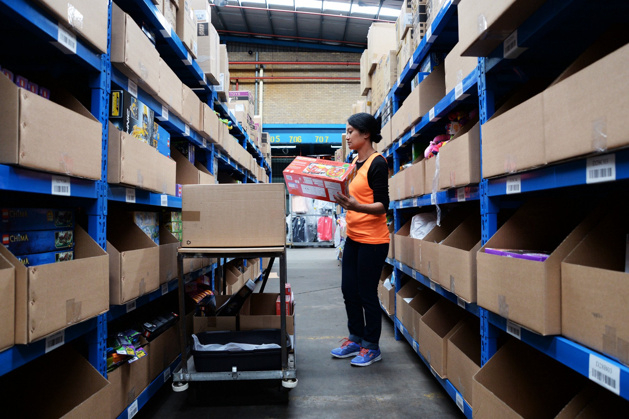 From Warehouse to Your House A Parcels Delivery Journey