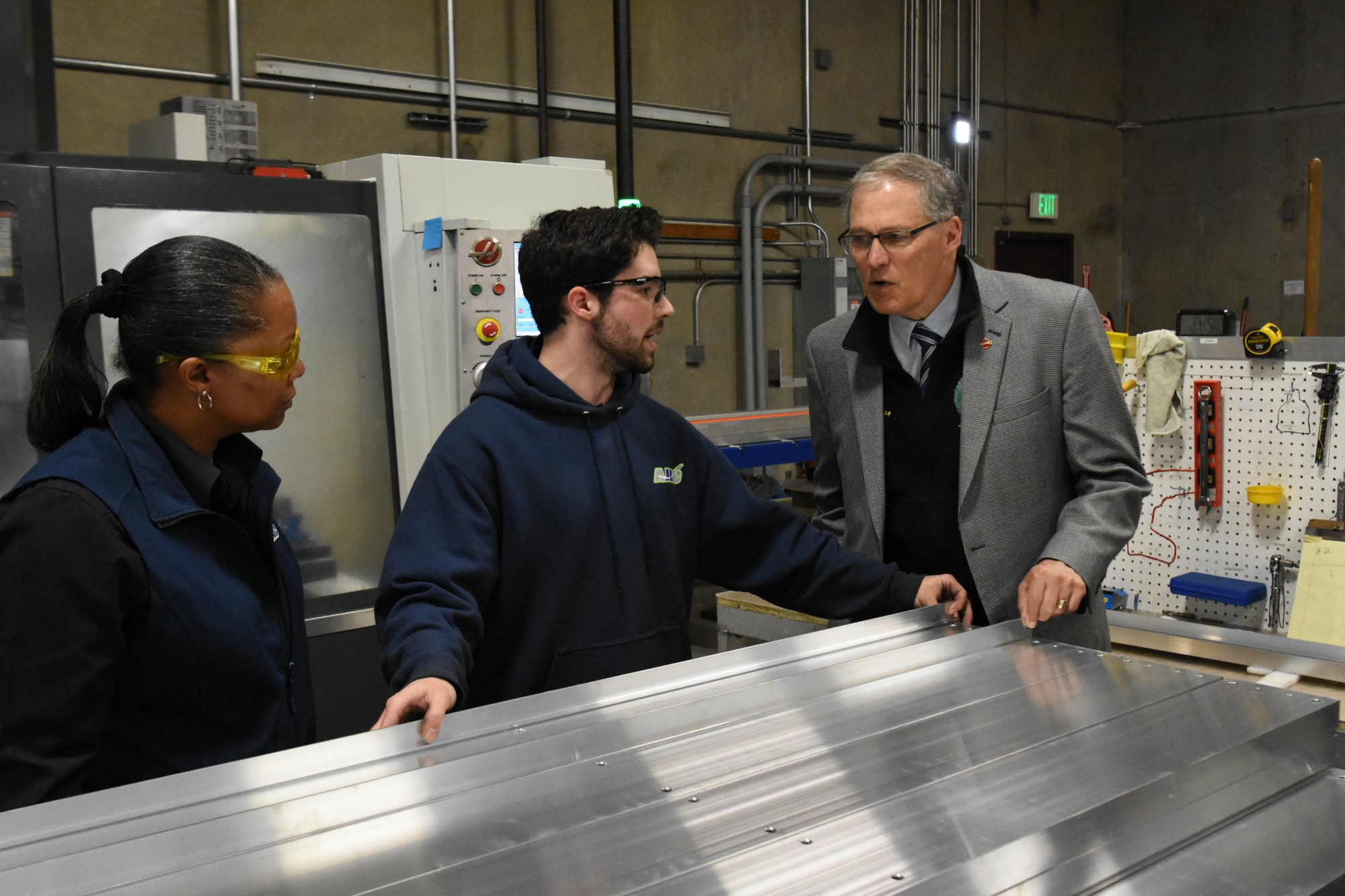 Washingtons first youth apprentices graduate Washington State