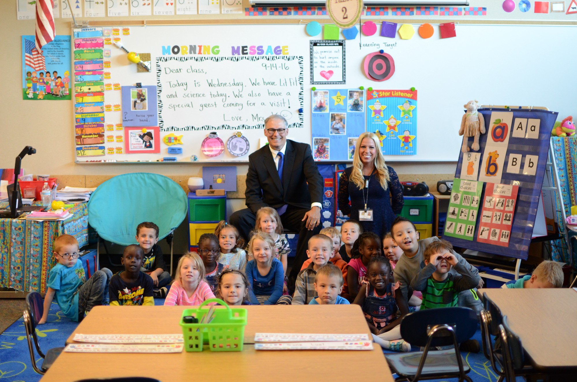 Washington state government for kids - Gov Inslee With Kindergarten Students And Teacher Brandi Johnson Kaplicky At Lincoln Heights Elementary In Spokane Wash Sep