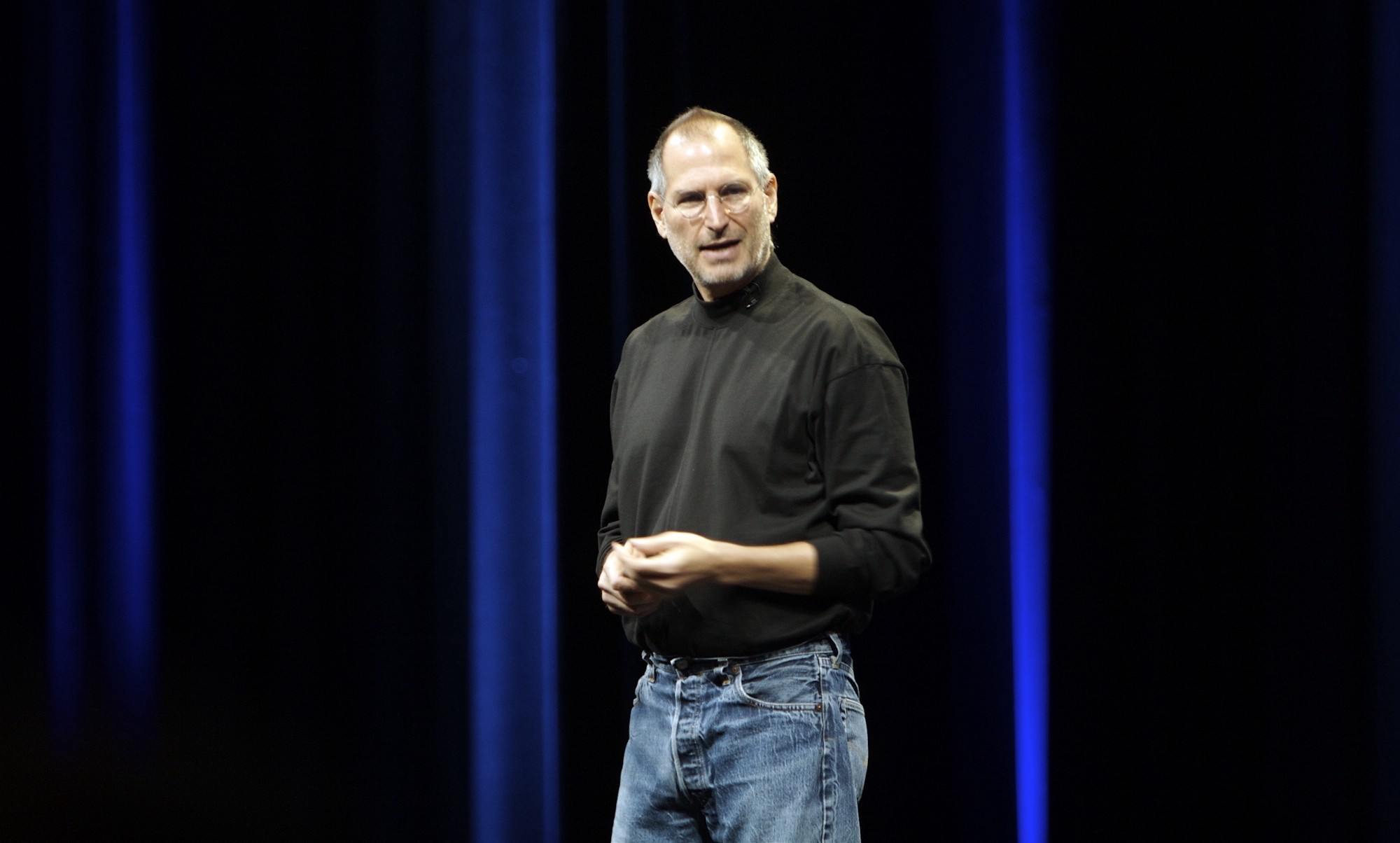 how to answer tough questions like steve jobs mark enko steve jobs returned to the company he was fired from 12 years before he is holding a q a developers one audience member stands