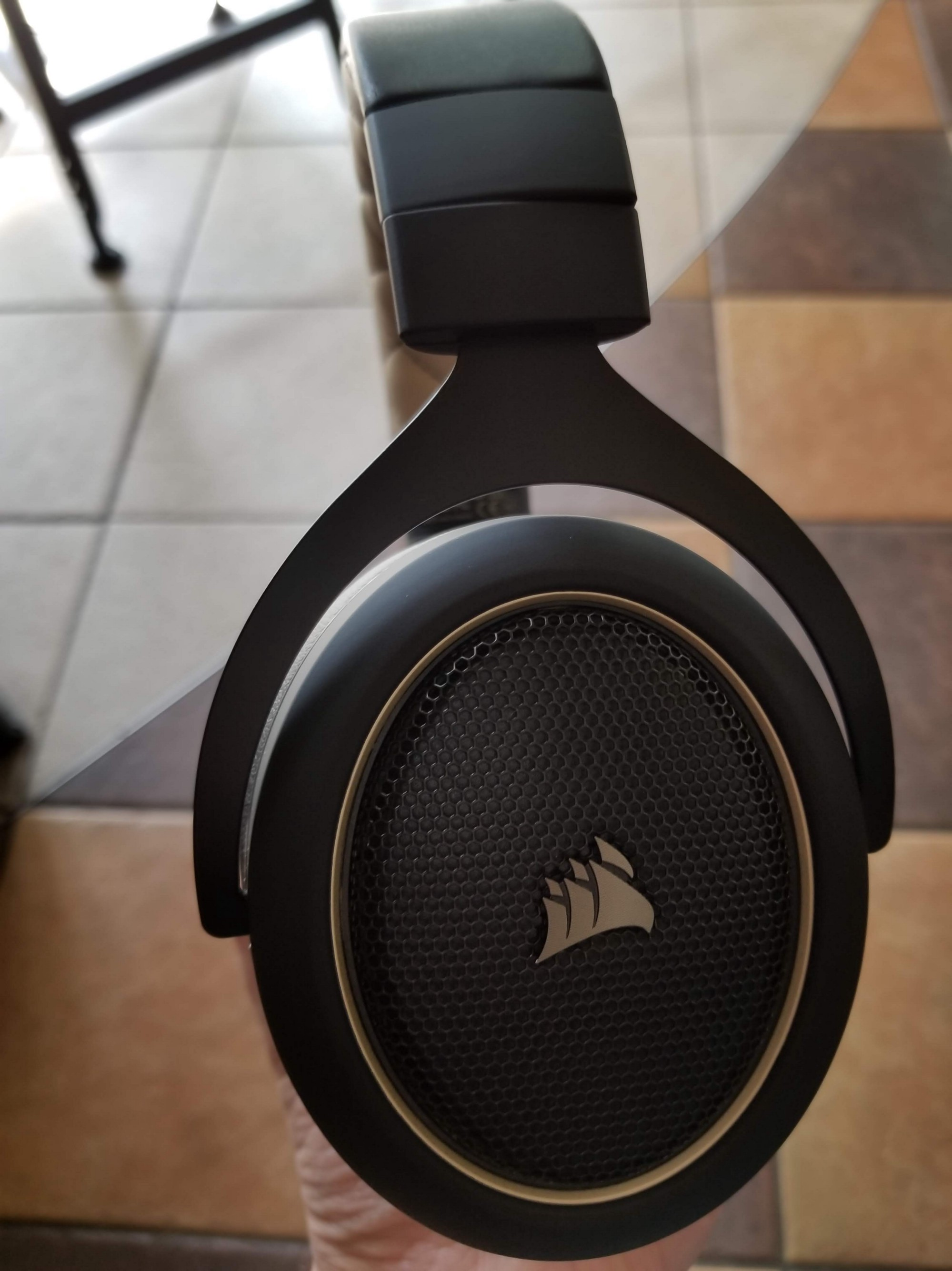 Corsair Hs70 Wireless Gaming Headset Review Alex Rowe Medium Sound Quality Two Output Ive Generally Enjoyed Corsairs Headsets In The Past Giving Positive Reviews To Both Hs50 And Void Pro
