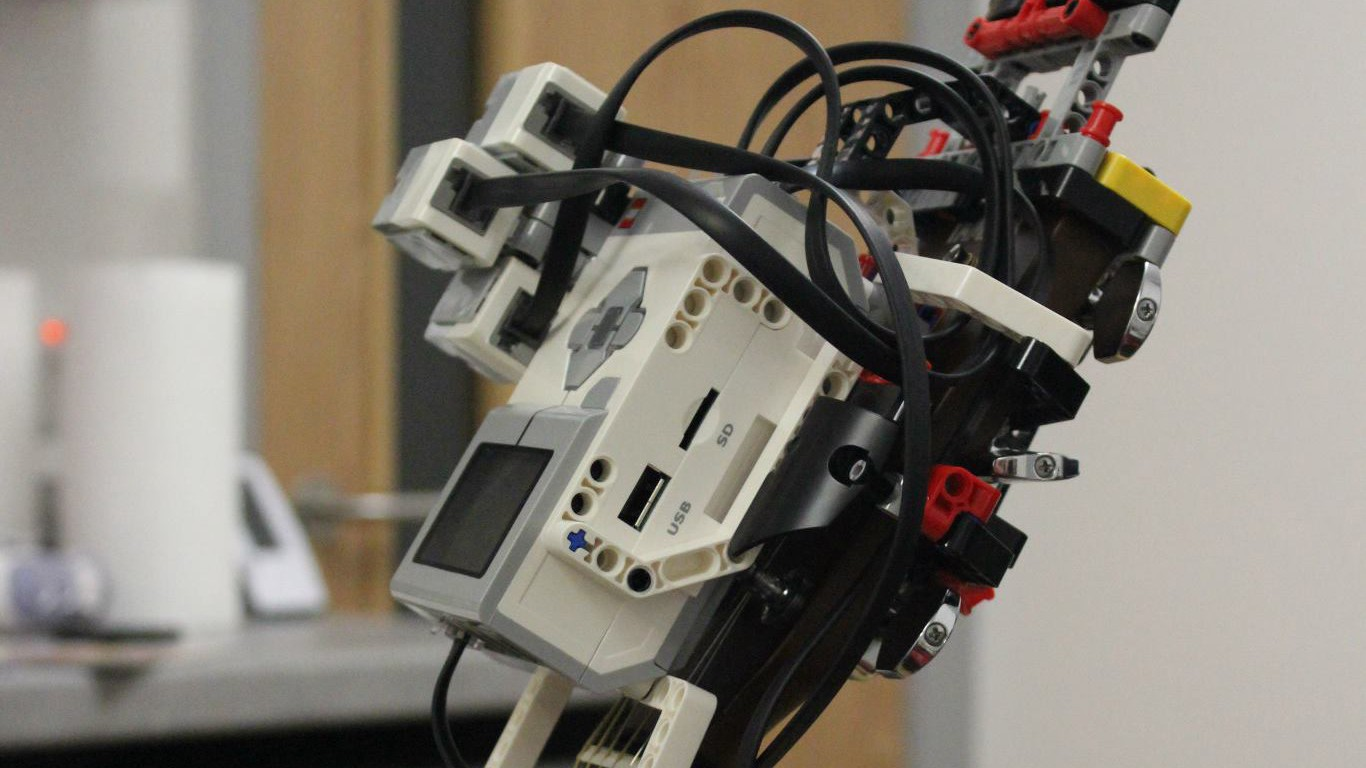 Create Lego Mindstorms Robots With Swift Robotary Review