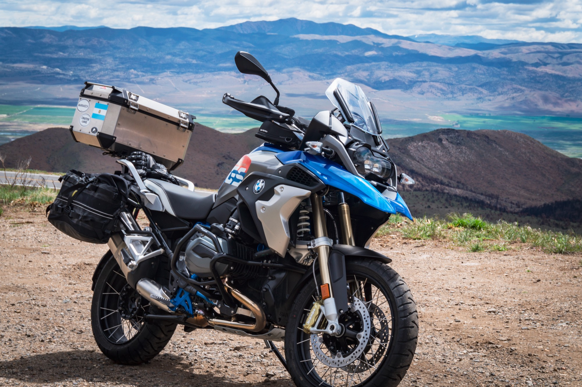 An Honest Motorcycle Review The 2018 Bmw R1200gs Lowered Rallye Spec