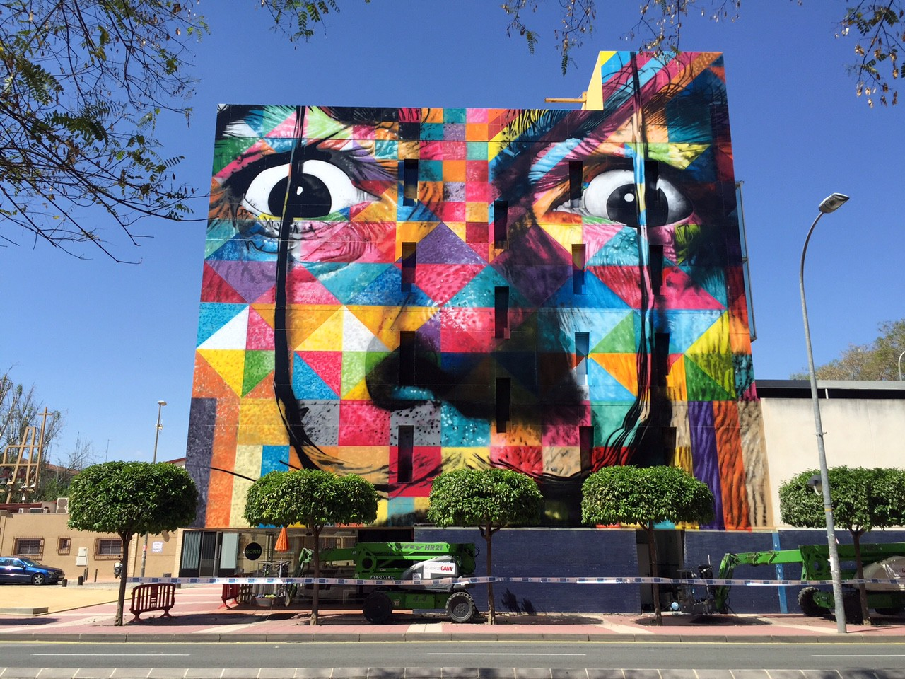 How Eduardo Kobra Creates His Larger Than Life Murals
