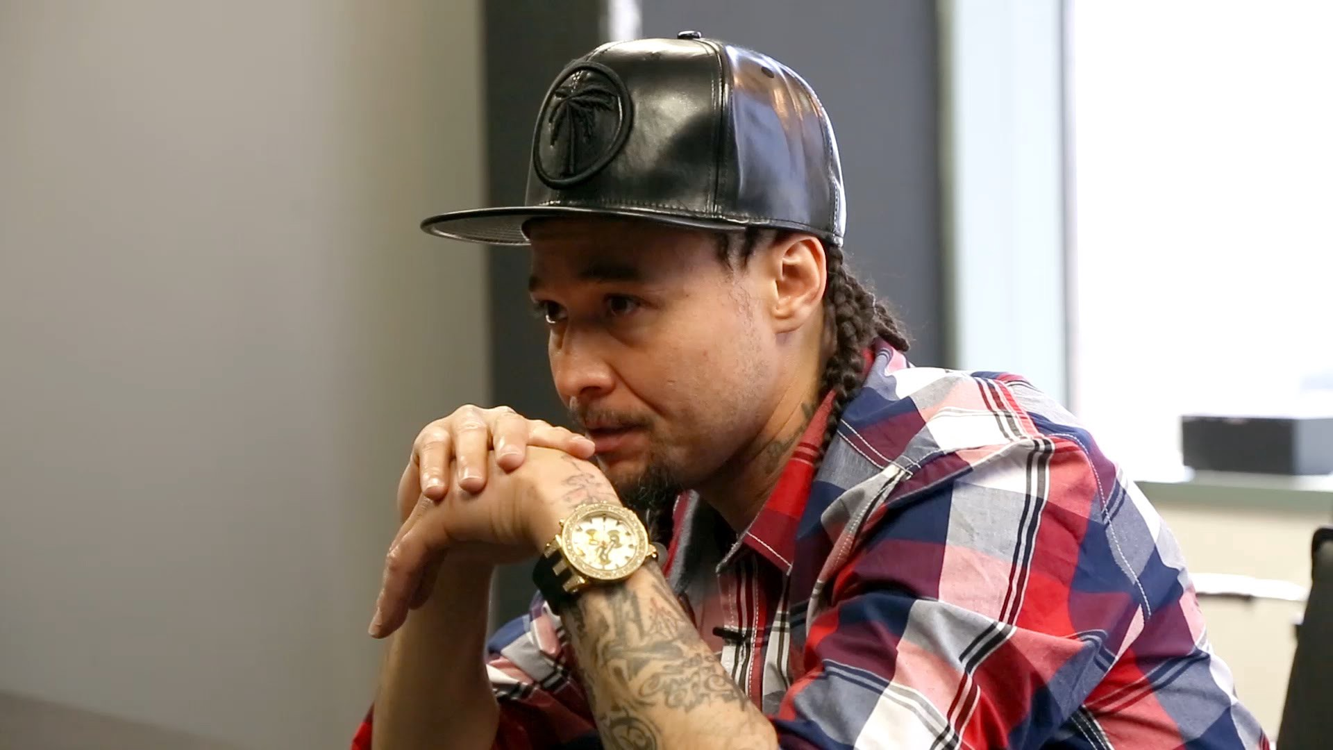 ranna royce dating bizzy bone Bizzy bone drops his latest track ft april on vod april 3rd three best friends explore the world of online swipe dating in los angeles and royce da 5 '9.