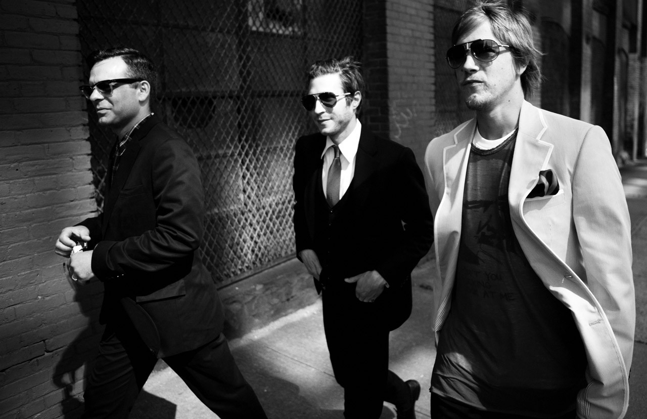 Interpol is an American rock band from Manhattan New York formed in 1997 Their original lineup consisted of Paul Banks vocals rhythm guitar Daniel Kessler