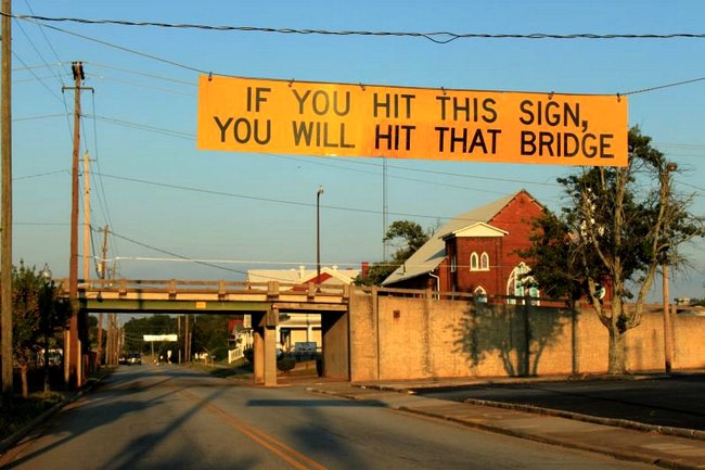 [Statusanzeigen sind essentiell wichtig!](http://www.funnysigns.net/files/if-you-hit-this-sign-you-will-hit-that-bridge.jpg)
