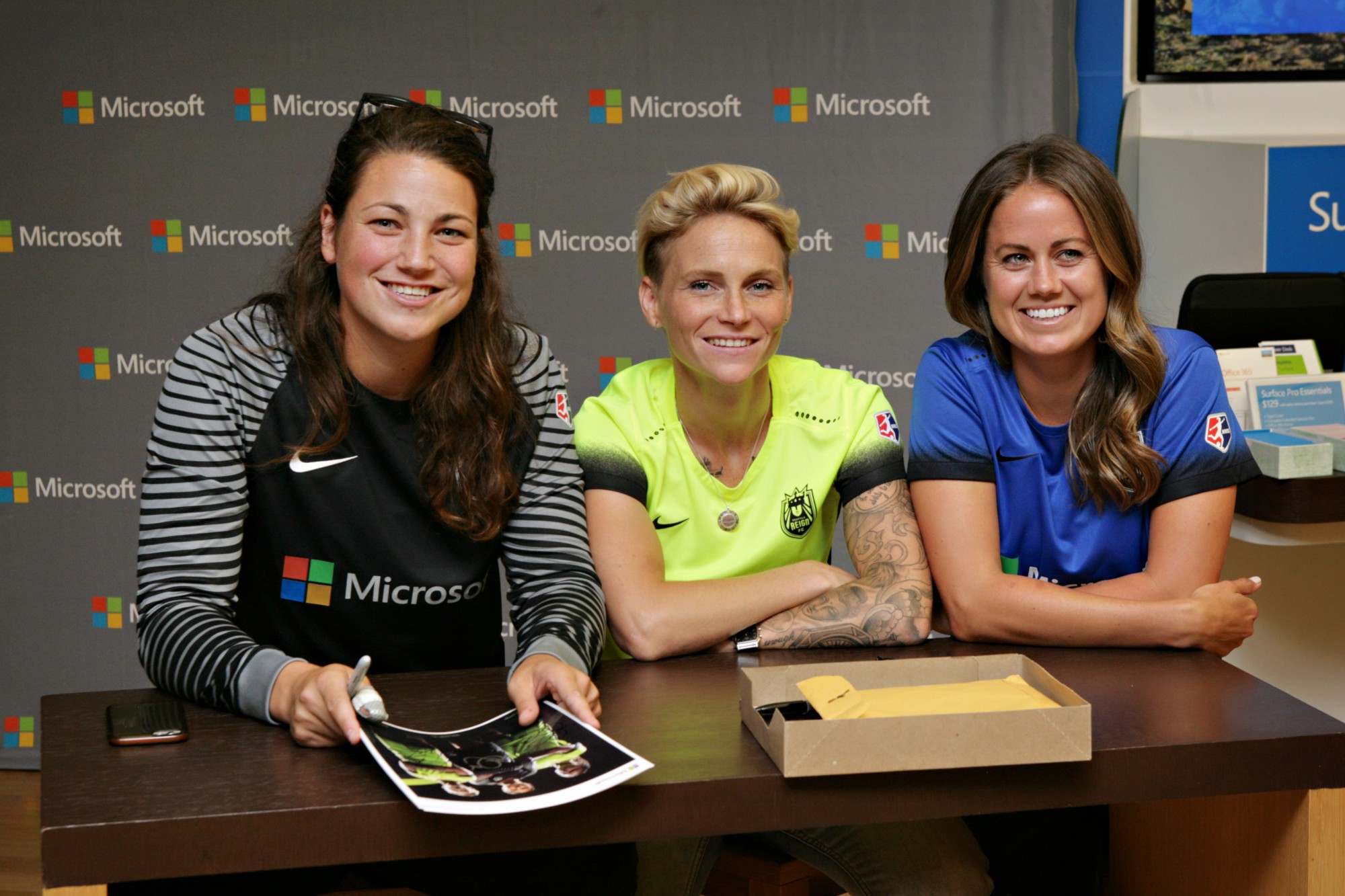 Microsoft hosts reign fc meet and greet thebold seattle reign fc kristyandbryce Gallery