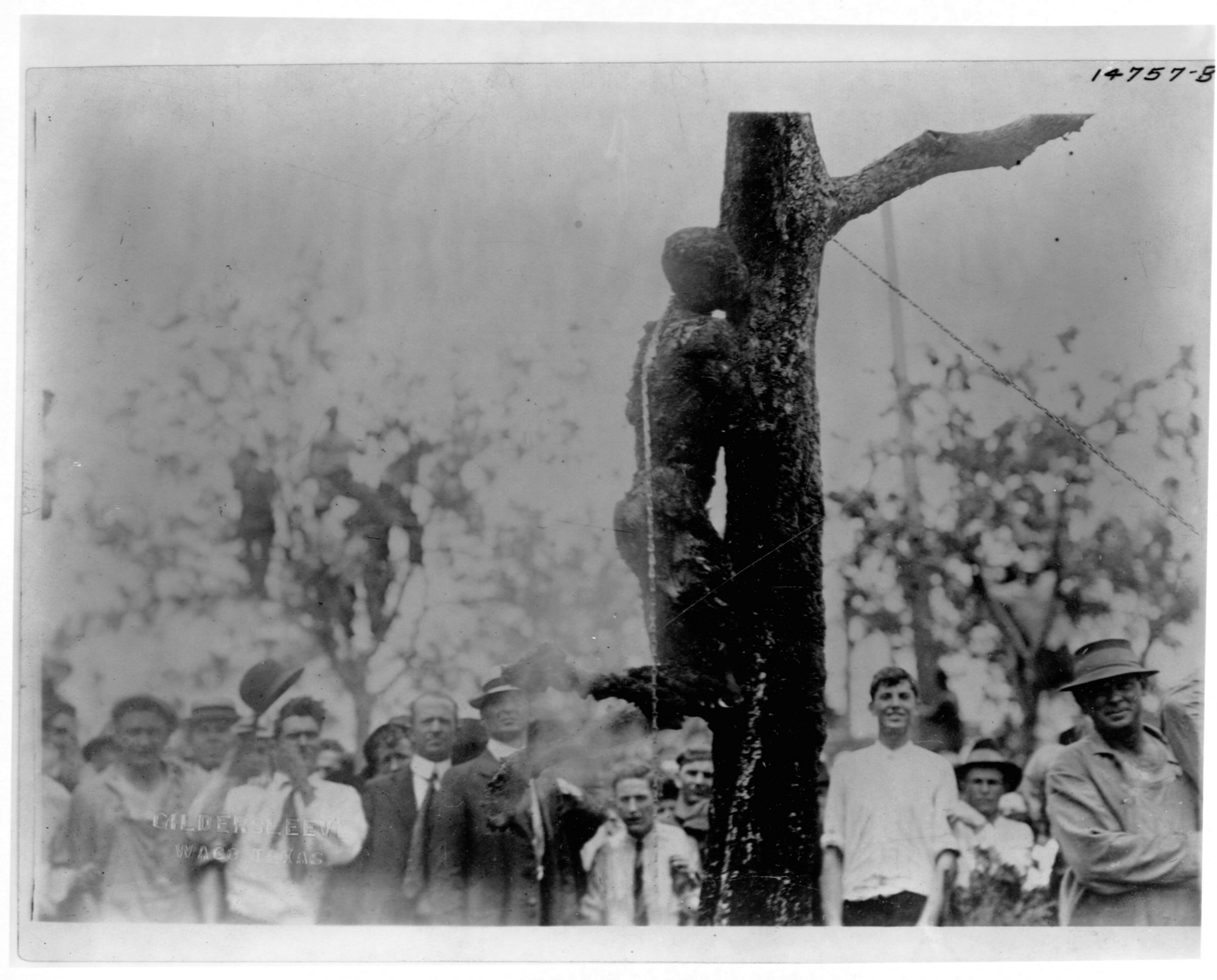 the horrors of lynching in the The mob pronounced henry davis guilty, the man the papers called the ravisher of mrs reidthey broke into the jail a few blocks from the state house and kidnapped him, paraded him through the.