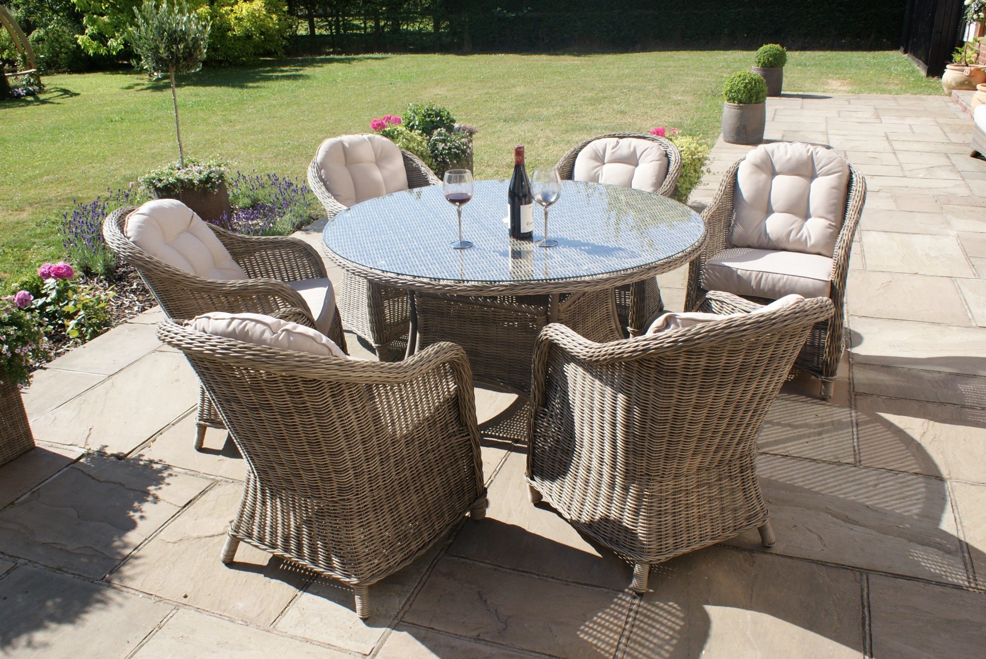 Superbe Maze Rattan Winchester 6 Seat Round Dining Set With Rounded Armchairs