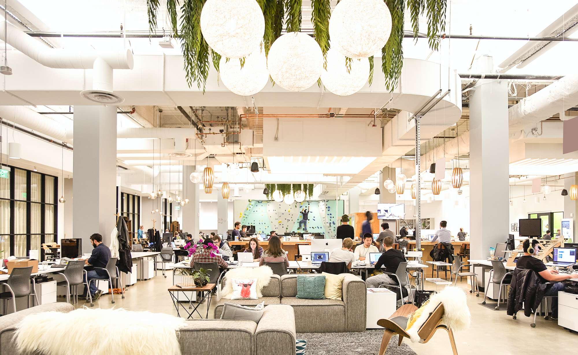 Reasons why coworking is working the startup medium