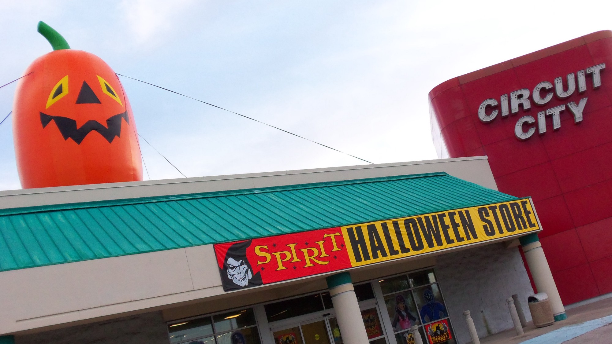 how the recession created the perfect opportunity for the halloween store