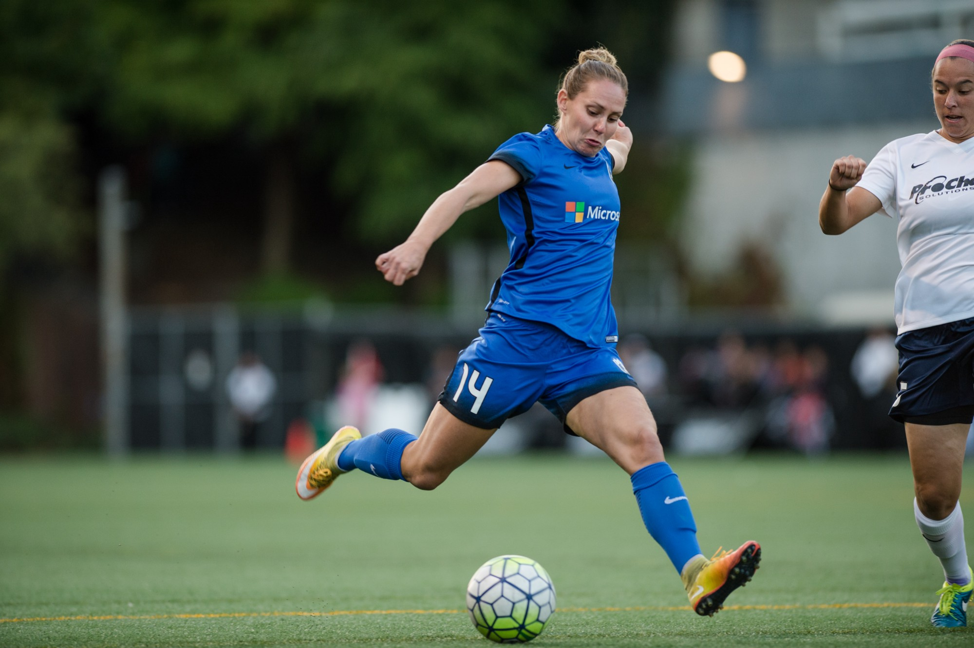 photo essay seattle reign fc washington spirit  in front of a crowd of 4 711 fans at memorial stadium seattle reign fc shutout the washington spirit